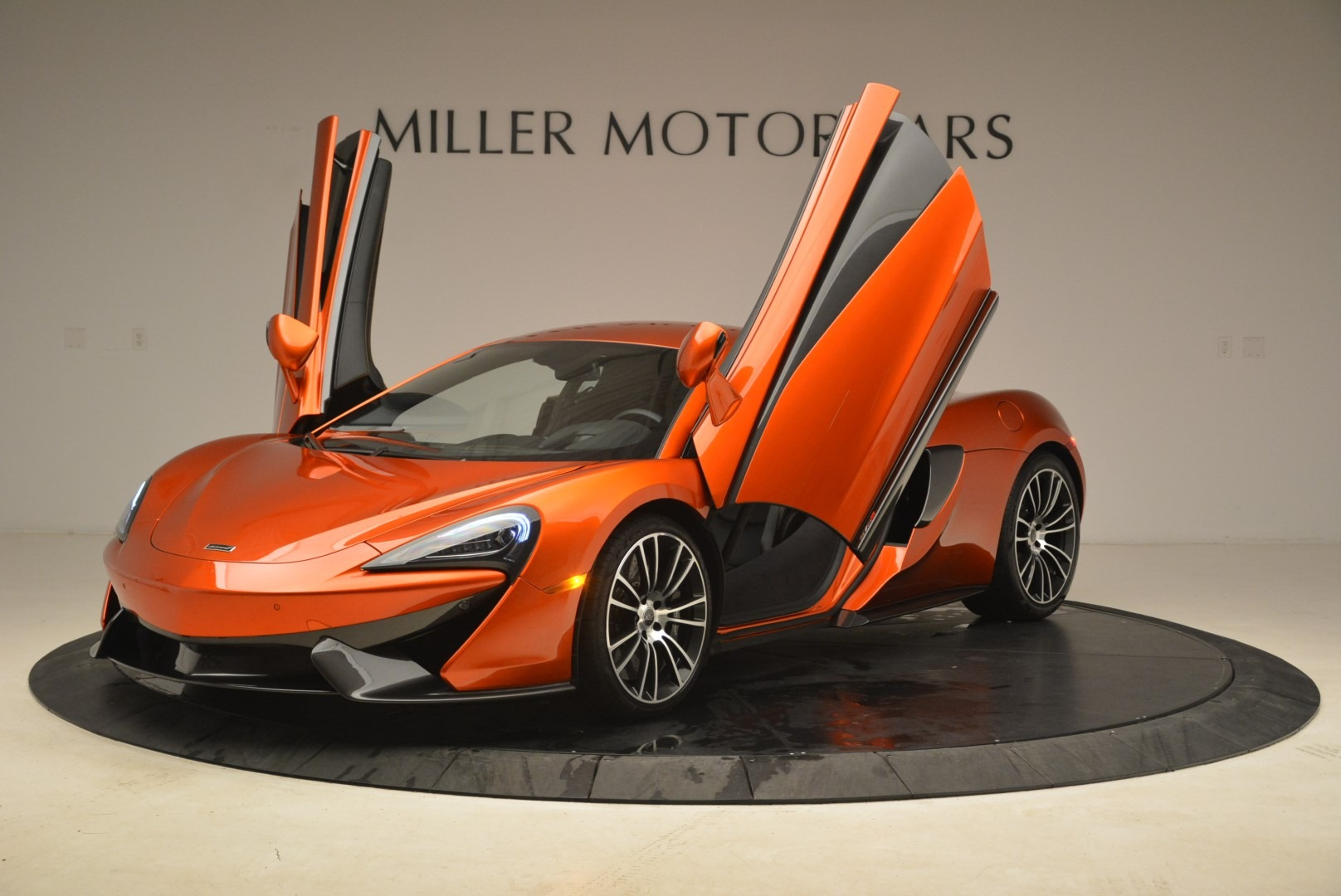 Used 2016 McLaren 570S  For Sale In Greenwich, CT. Alfa Romeo of Greenwich, 3140 2261_p14