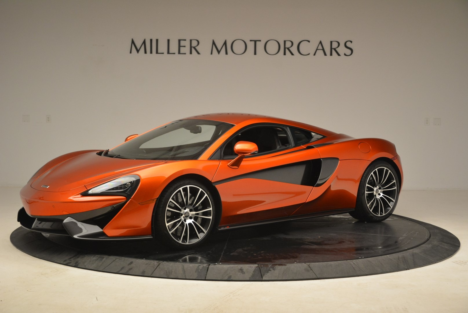 Used 2016 McLaren 570S  For Sale In Greenwich, CT. Alfa Romeo of Greenwich, 3140 2261_p2