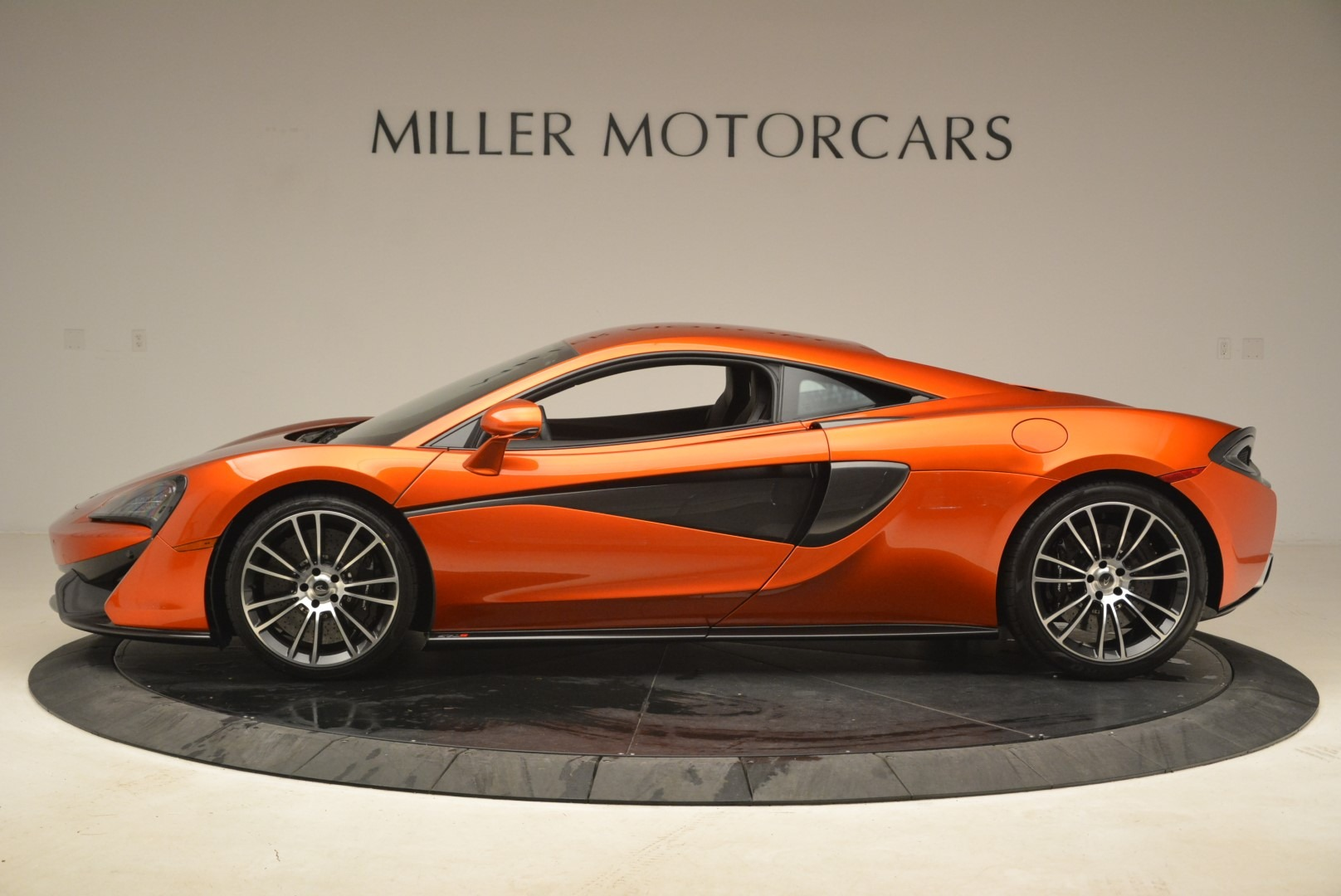 Used 2016 McLaren 570S  For Sale In Greenwich, CT. Alfa Romeo of Greenwich, 3140 2261_p3