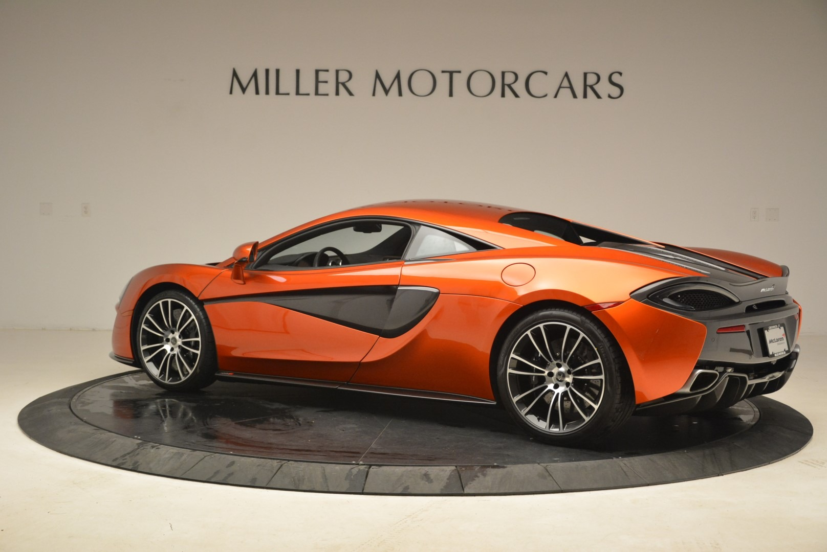 Used 2016 McLaren 570S  For Sale In Greenwich, CT. Alfa Romeo of Greenwich, 3140 2261_p4
