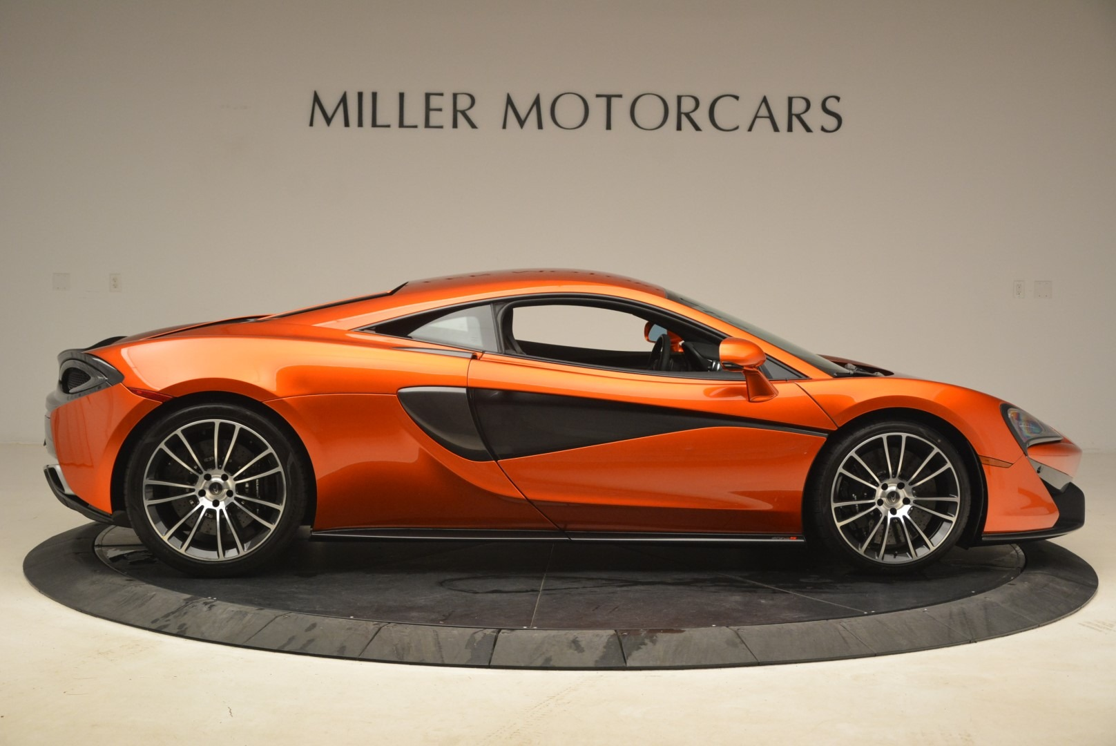 Used 2016 McLaren 570S  For Sale In Greenwich, CT. Alfa Romeo of Greenwich, 3140 2261_p9
