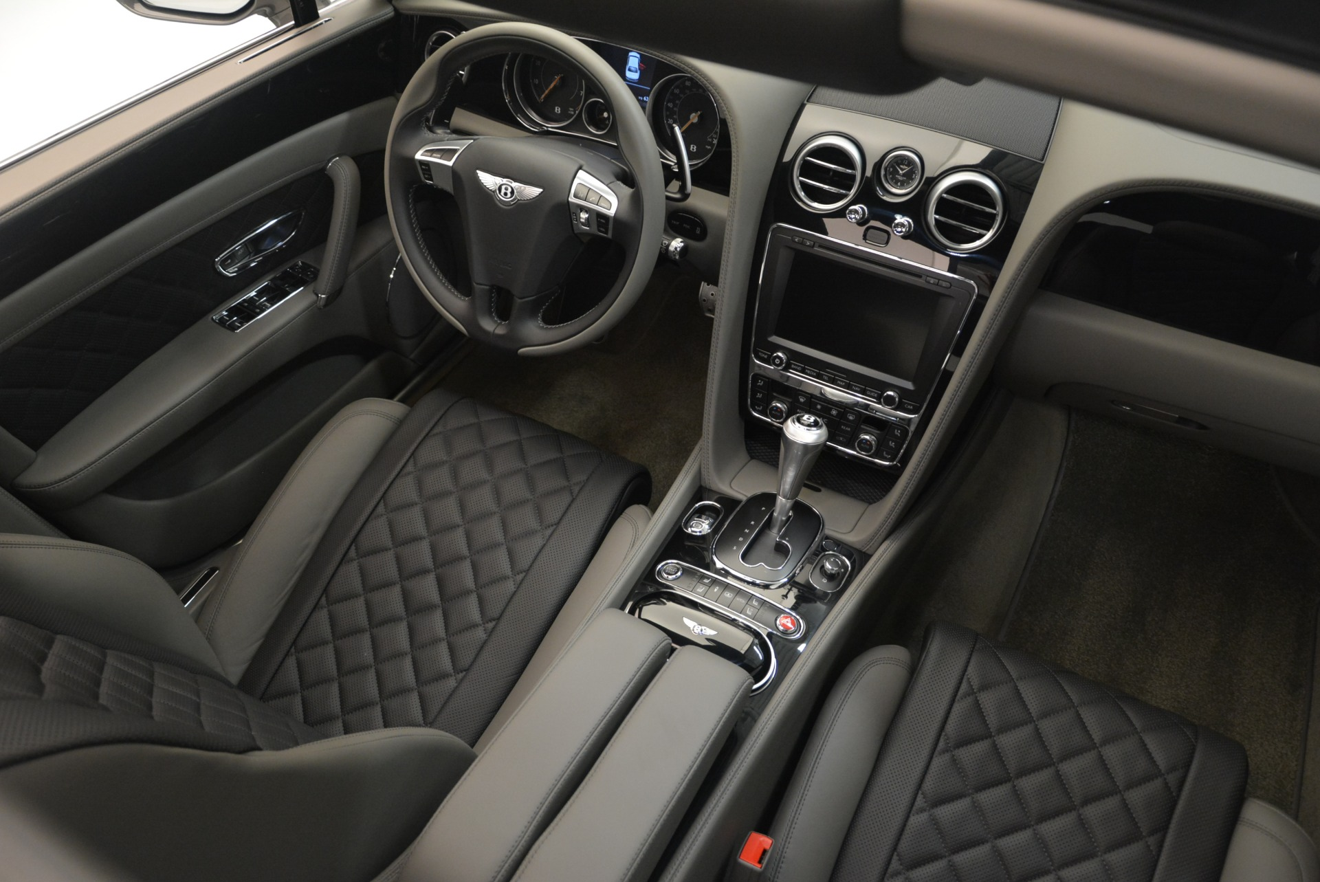Used 2017 Bentley Flying Spur V8 S For Sale In Greenwich, CT. Alfa Romeo of Greenwich, B1353 2263_p26