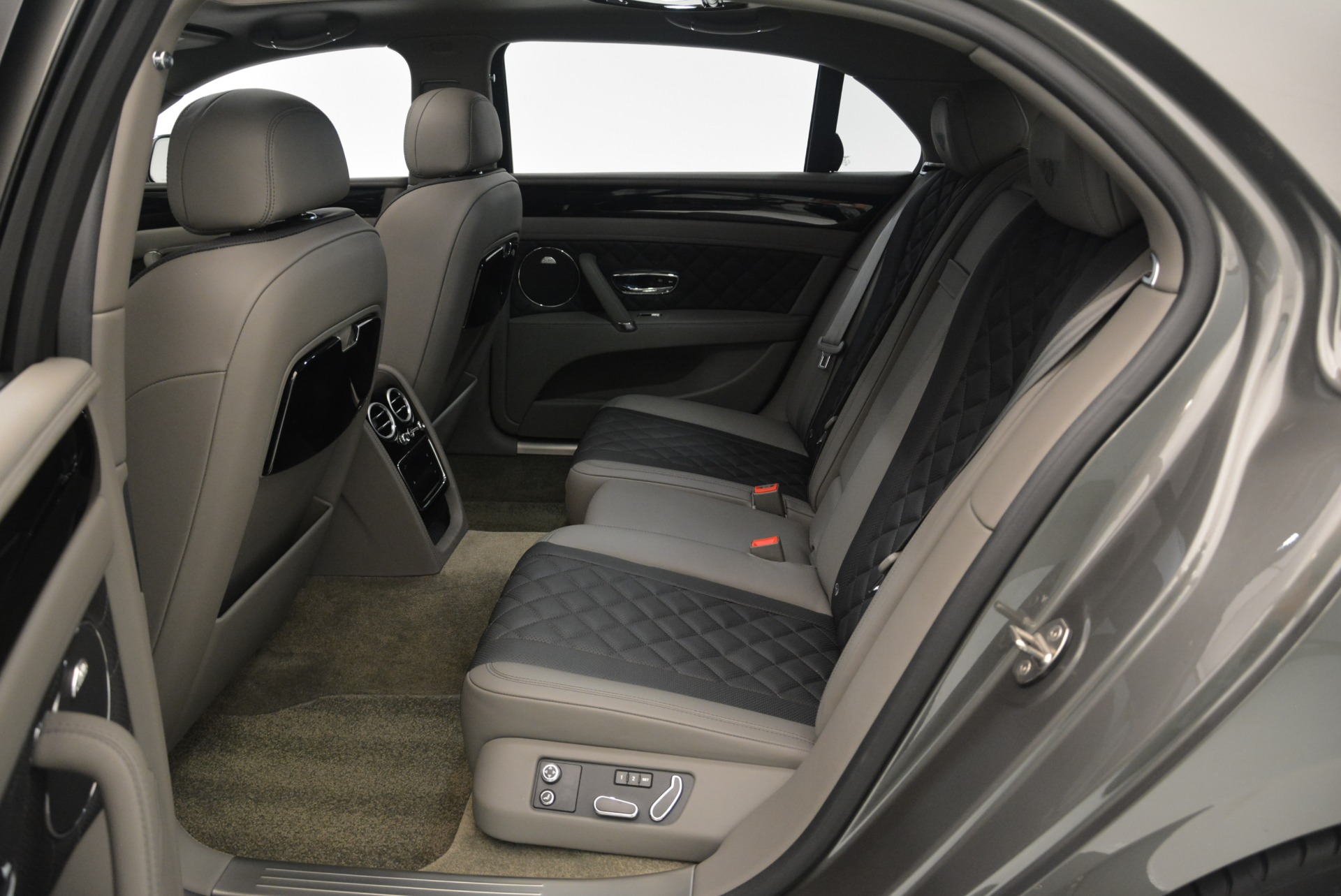 Used 2017 Bentley Flying Spur V8 S For Sale In Greenwich, CT. Alfa Romeo of Greenwich, B1353 2263_p29