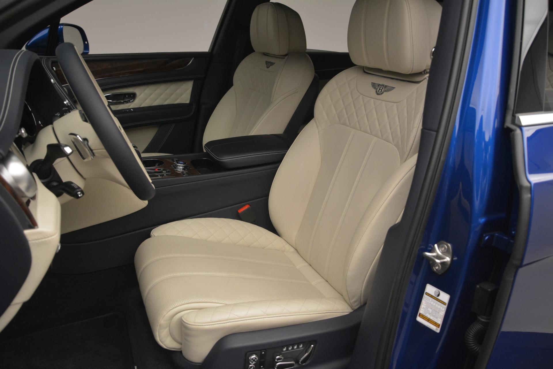 Used 2018 Bentley Bentayga W12 Signature For Sale In Greenwich, CT. Alfa Romeo of Greenwich, B1354 2265_p17