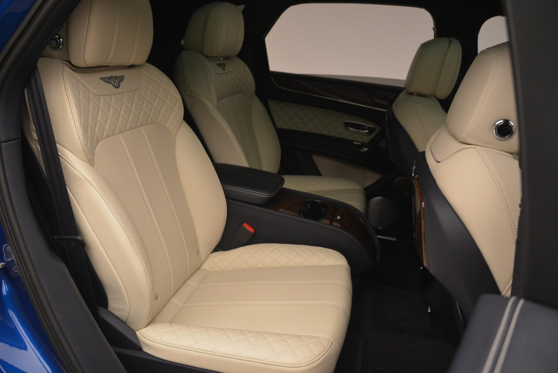 Used 2018 Bentley Bentayga W12 Signature For Sale In Greenwich, CT. Alfa Romeo of Greenwich, B1354 2265_p25
