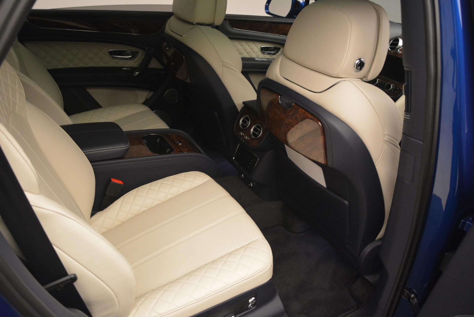 Used 2018 Bentley Bentayga W12 Signature For Sale In Greenwich, CT. Alfa Romeo of Greenwich, B1354 2265_p26