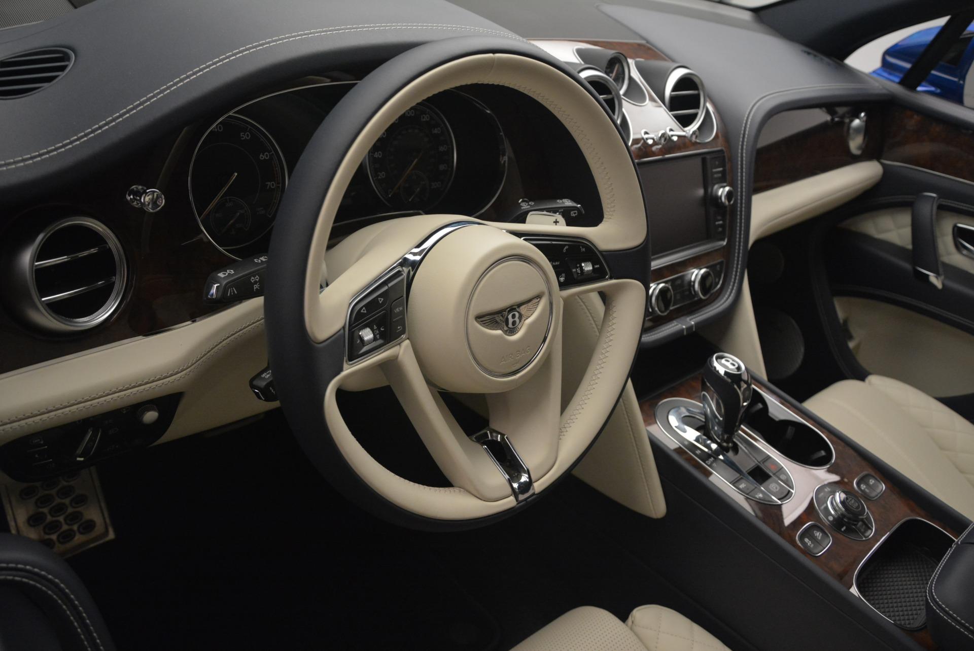 Used 2018 Bentley Bentayga W12 Signature For Sale In Greenwich, CT. Alfa Romeo of Greenwich, B1354 2265_p28