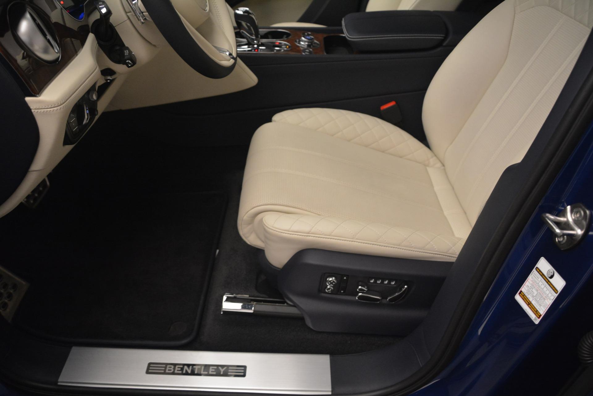Used 2018 Bentley Bentayga W12 Signature For Sale In Greenwich, CT. Alfa Romeo of Greenwich, B1354 2265_p30