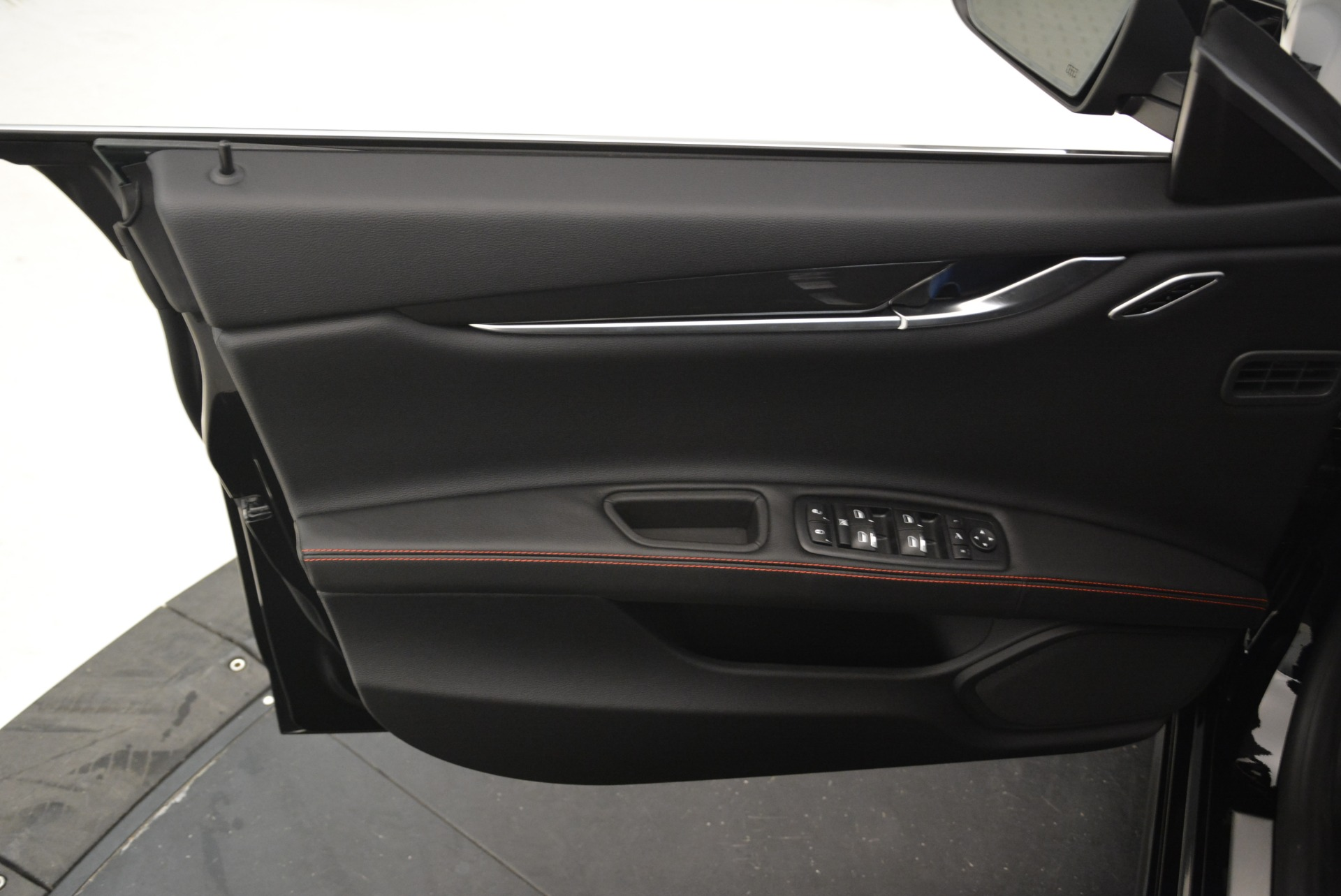 Used 2018 Maserati Ghibli S Q4 For Sale In Greenwich, CT. Alfa Romeo of Greenwich, M2143 2271_p22