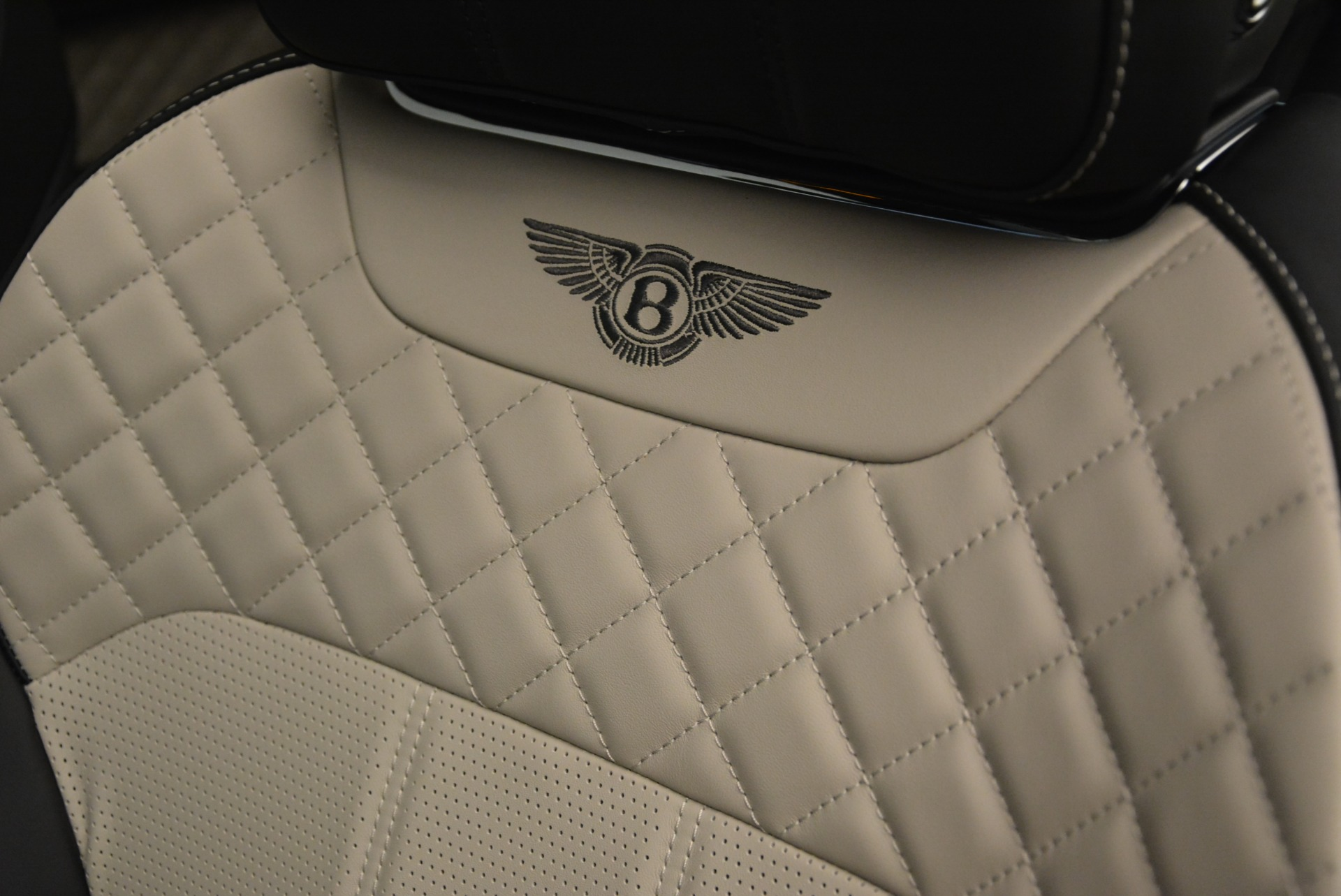 New 2018 Bentley Bentayga W12 Activity For Sale In Greenwich, CT. Alfa Romeo of Greenwich, B1356 2280_p19