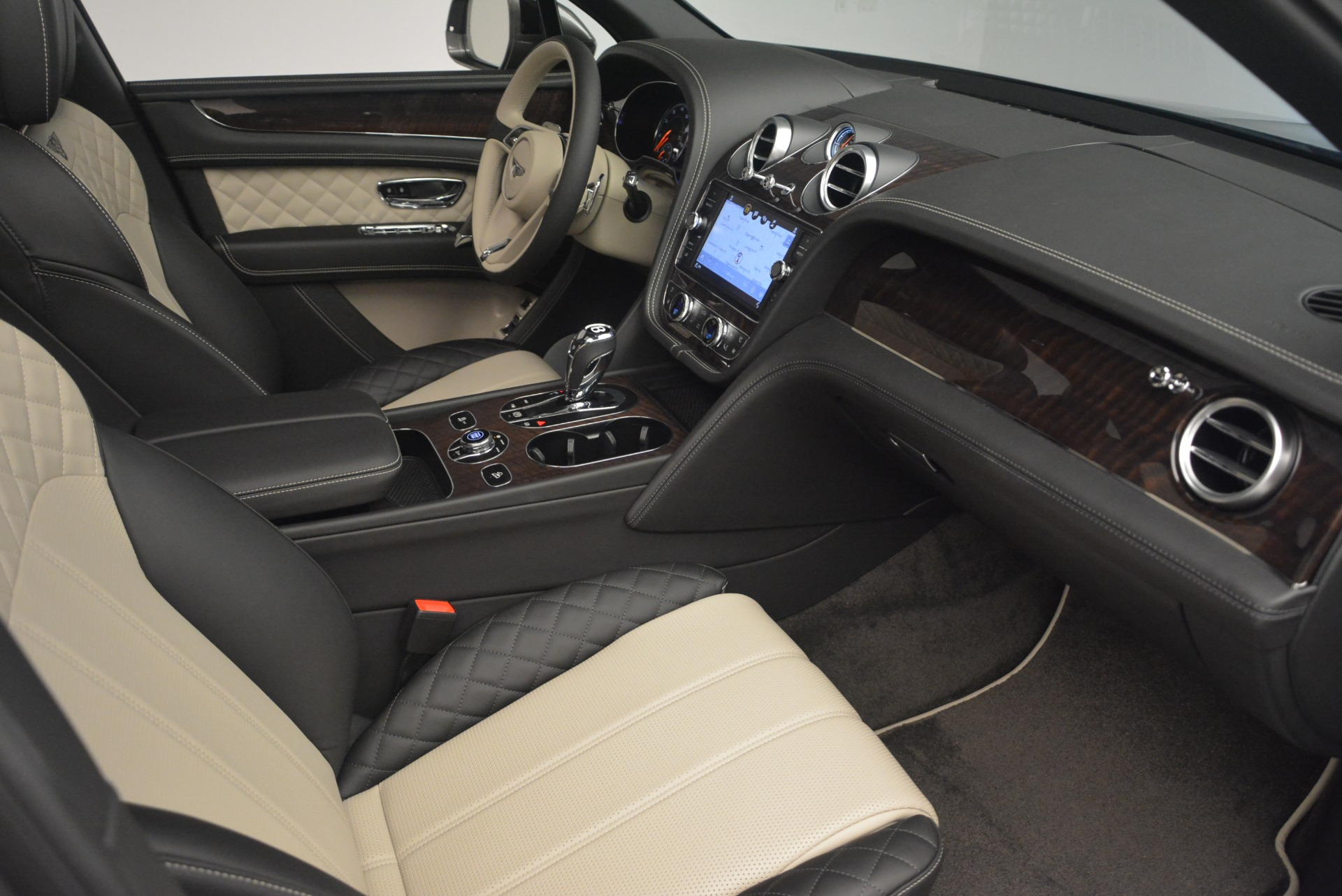 New 2018 Bentley Bentayga W12 Activity For Sale In Greenwich, CT. Alfa Romeo of Greenwich, B1356 2280_p23