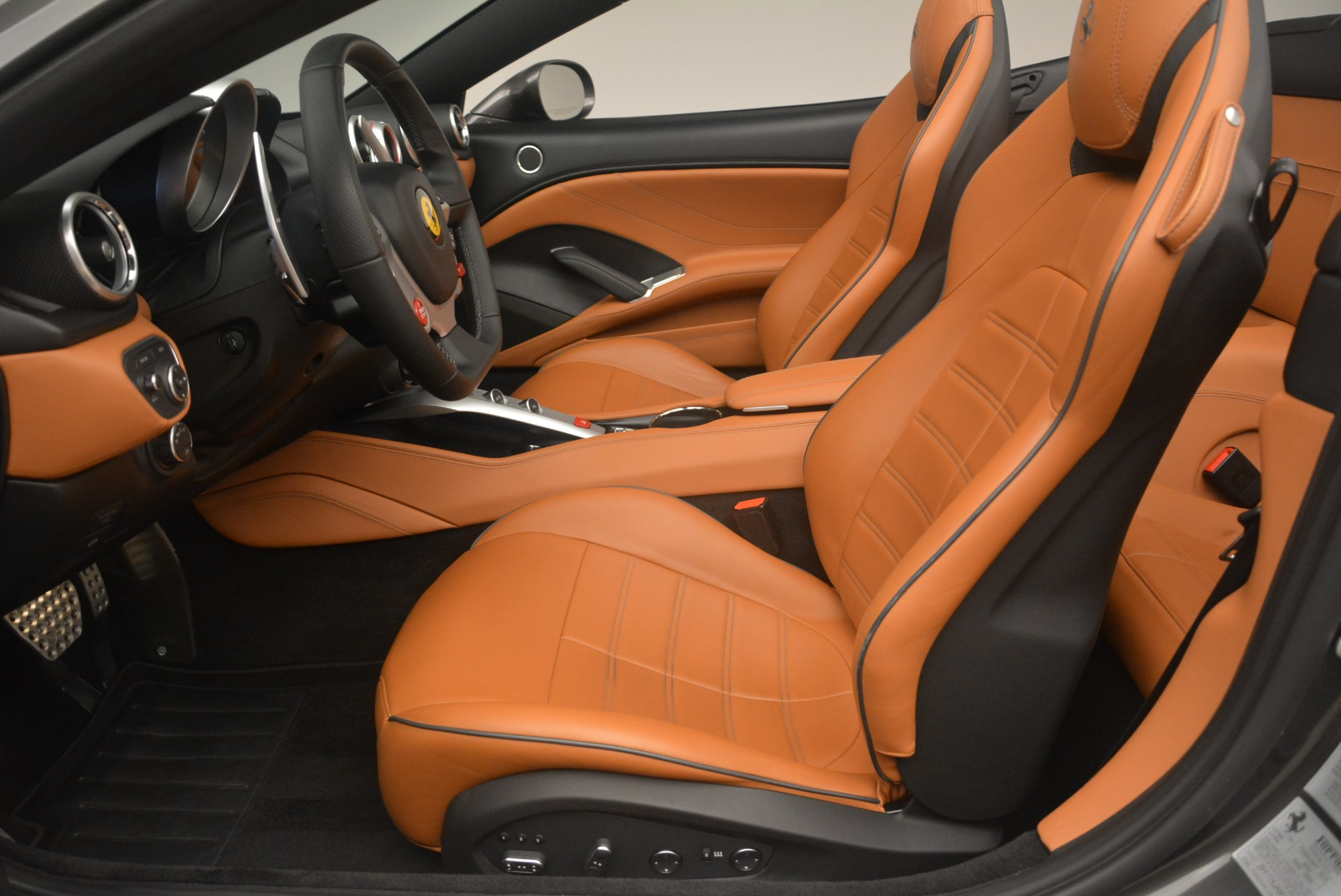 Used 2015 Ferrari California T  For Sale In Greenwich, CT. Alfa Romeo of Greenwich, 4478 2286_p26