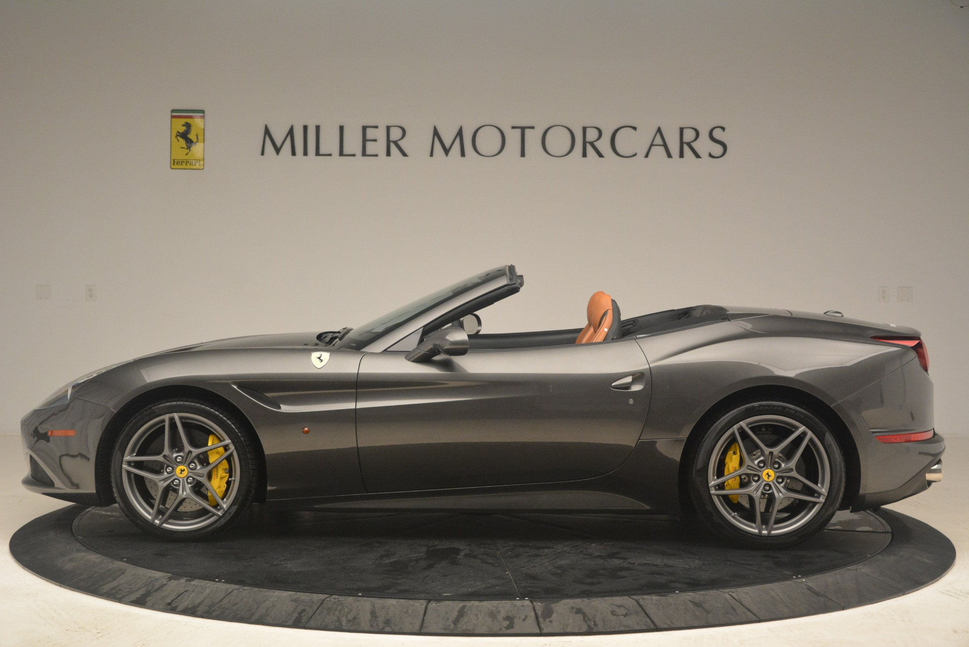 Used 2015 Ferrari California T  For Sale In Greenwich, CT. Alfa Romeo of Greenwich, 4478 2286_p3