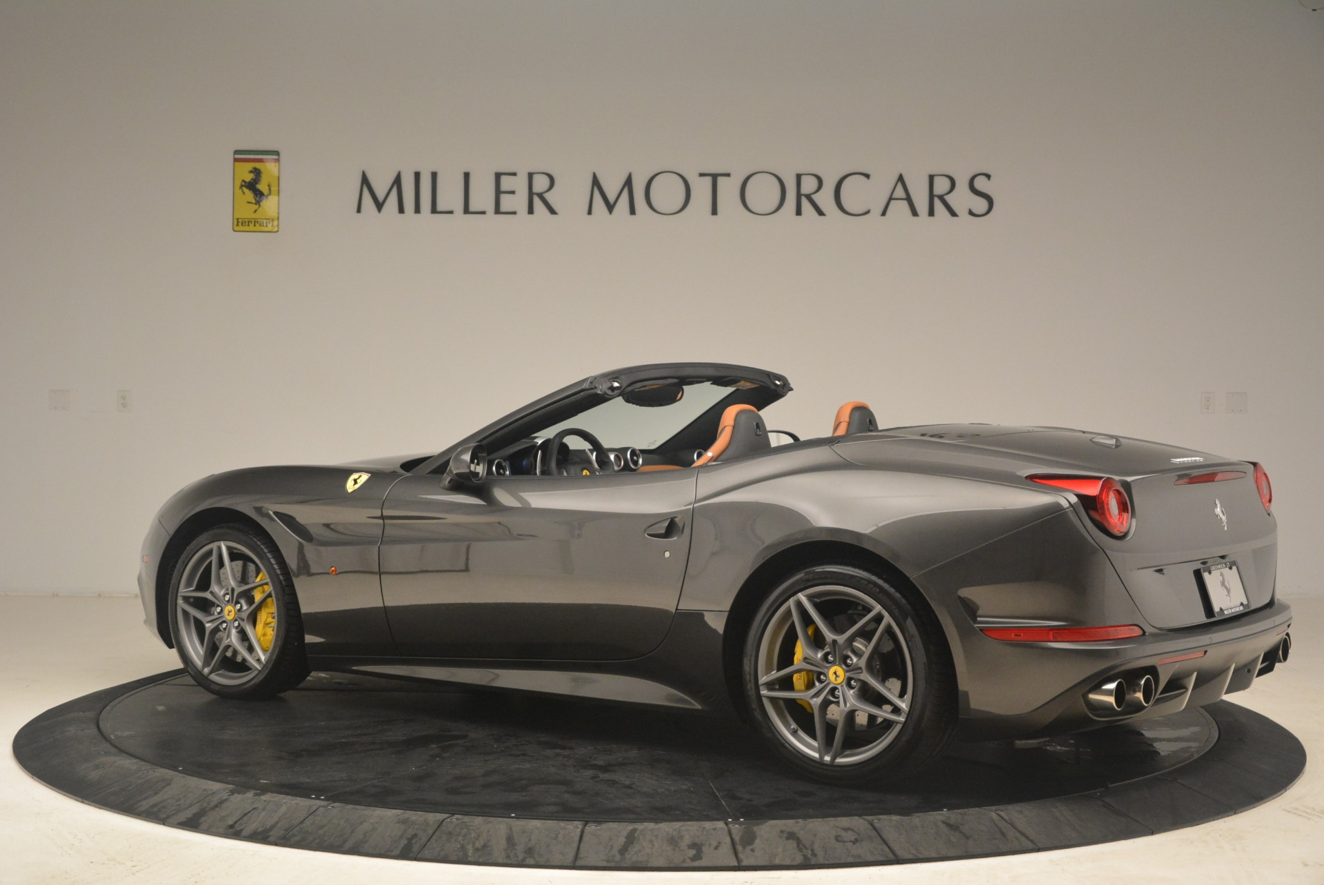 Used 2015 Ferrari California T  For Sale In Greenwich, CT. Alfa Romeo of Greenwich, 4478 2286_p4