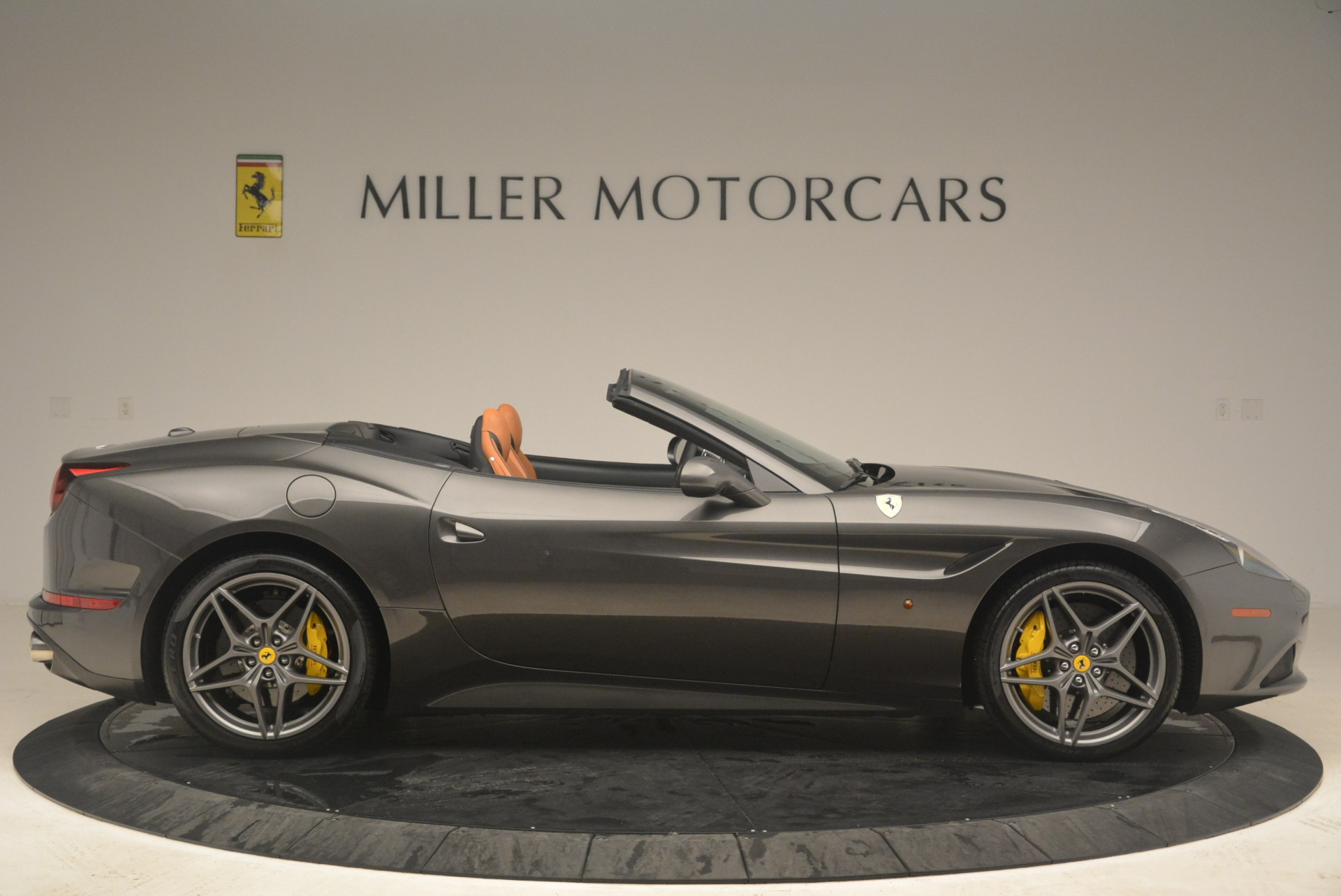 Used 2015 Ferrari California T  For Sale In Greenwich, CT. Alfa Romeo of Greenwich, 4478 2286_p9