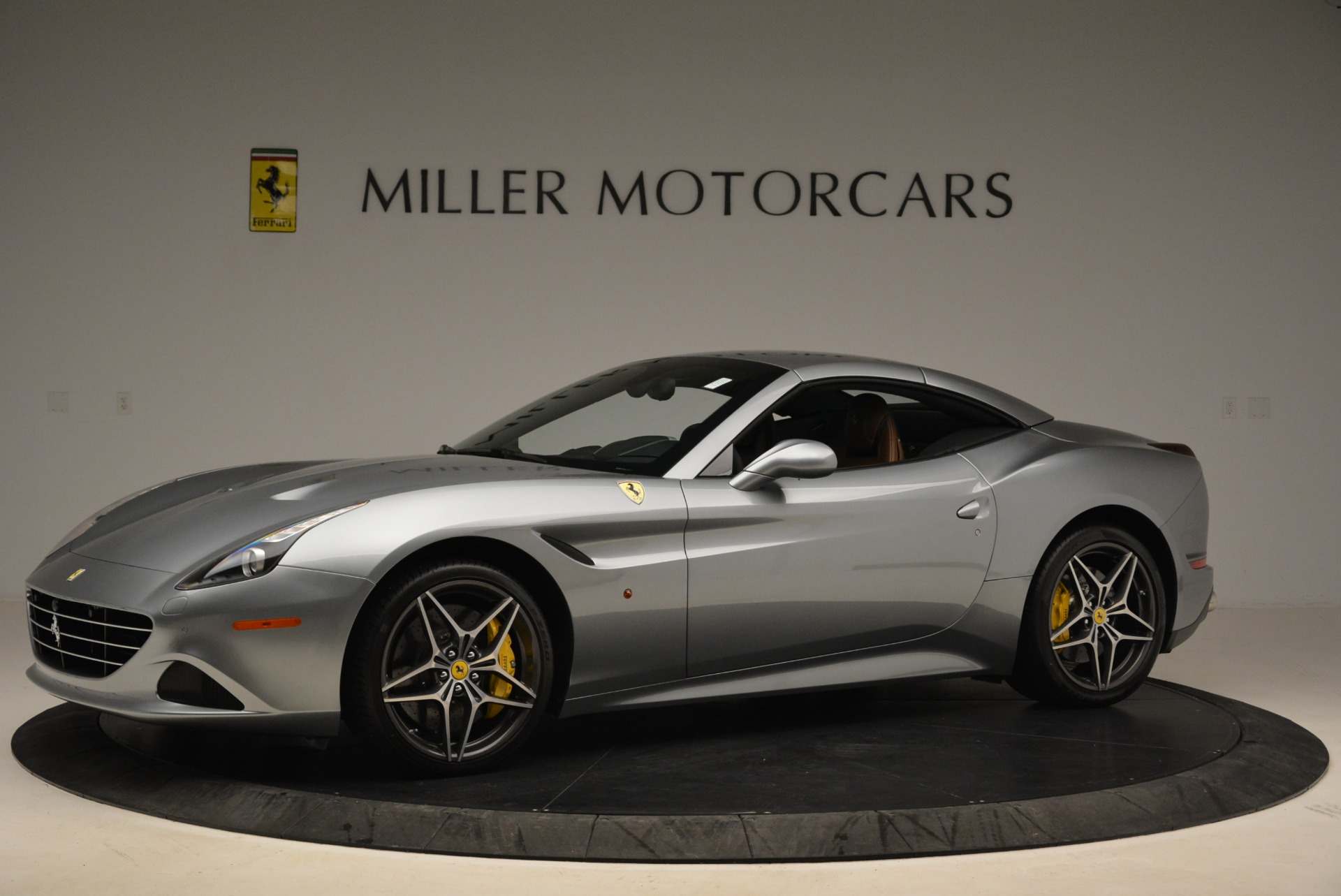Used 2018 Ferrari California T  For Sale In Greenwich, CT. Alfa Romeo of Greenwich, F1821B 2287_p14