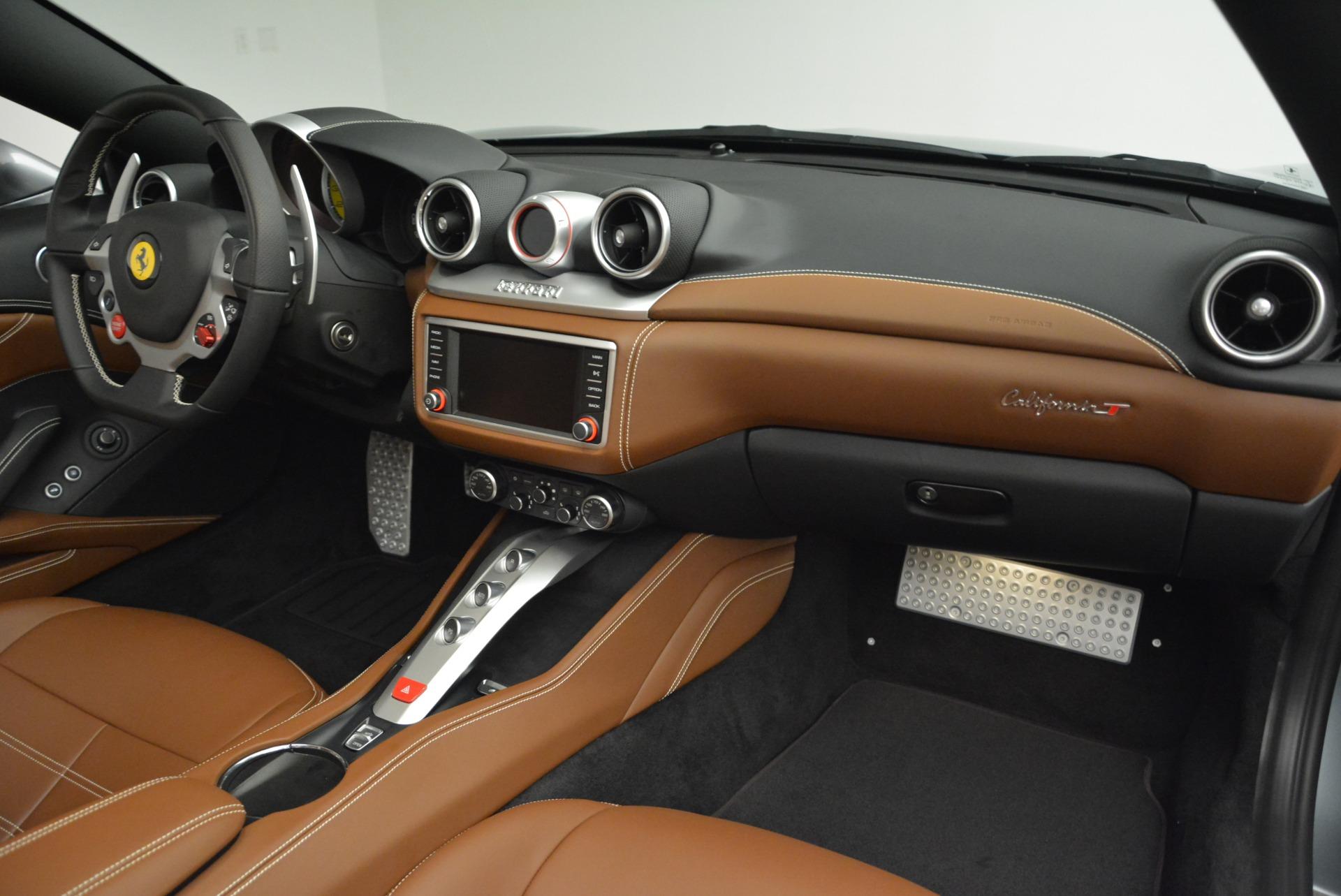 Used 2018 Ferrari California T  For Sale In Greenwich, CT. Alfa Romeo of Greenwich, F1821B 2287_p30