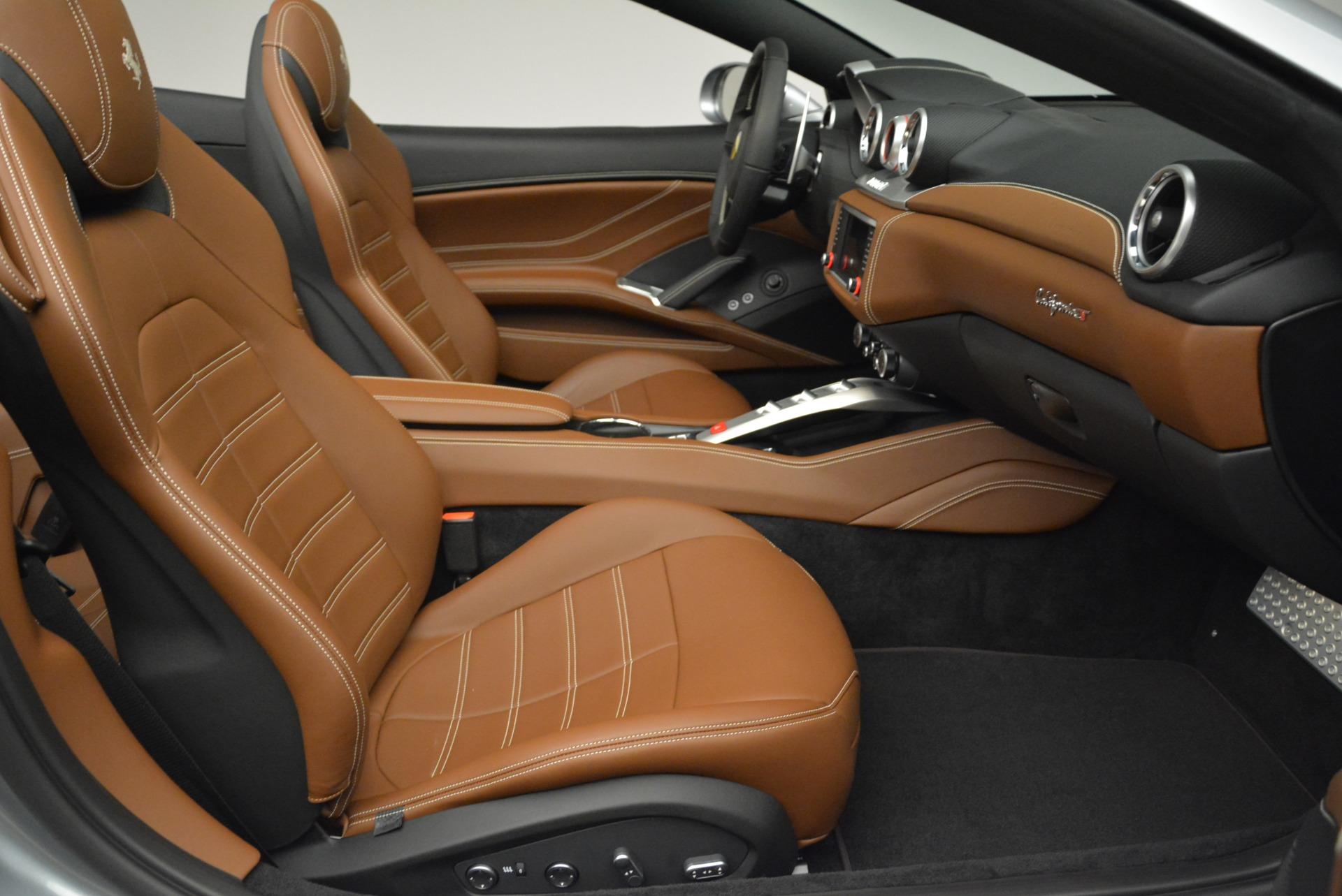 Used 2018 Ferrari California T  For Sale In Greenwich, CT. Alfa Romeo of Greenwich, F1821B 2287_p31