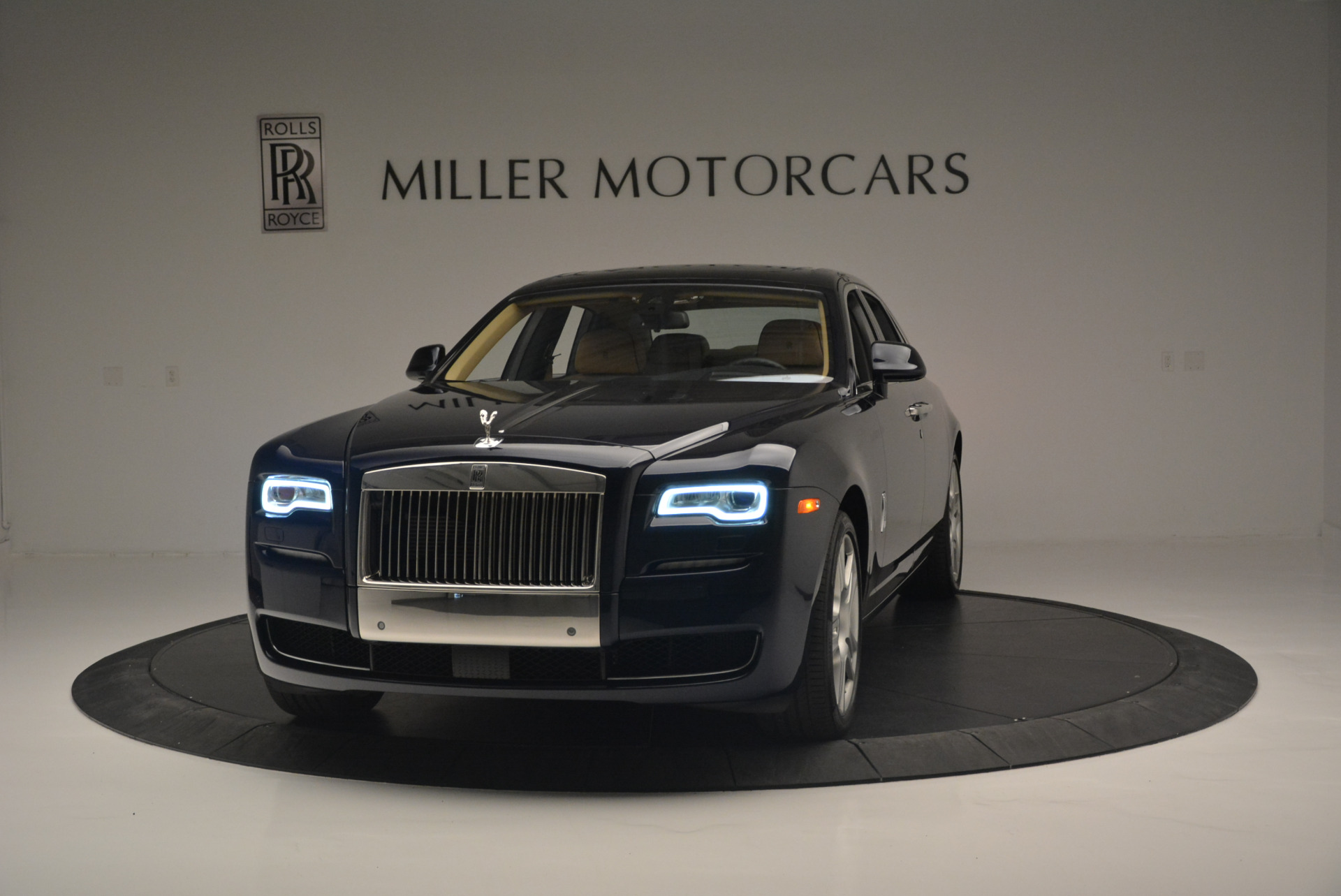 Used 2015 Rolls-Royce Ghost  For Sale In Greenwich, CT. Alfa Romeo of Greenwich, 7384 2297_main