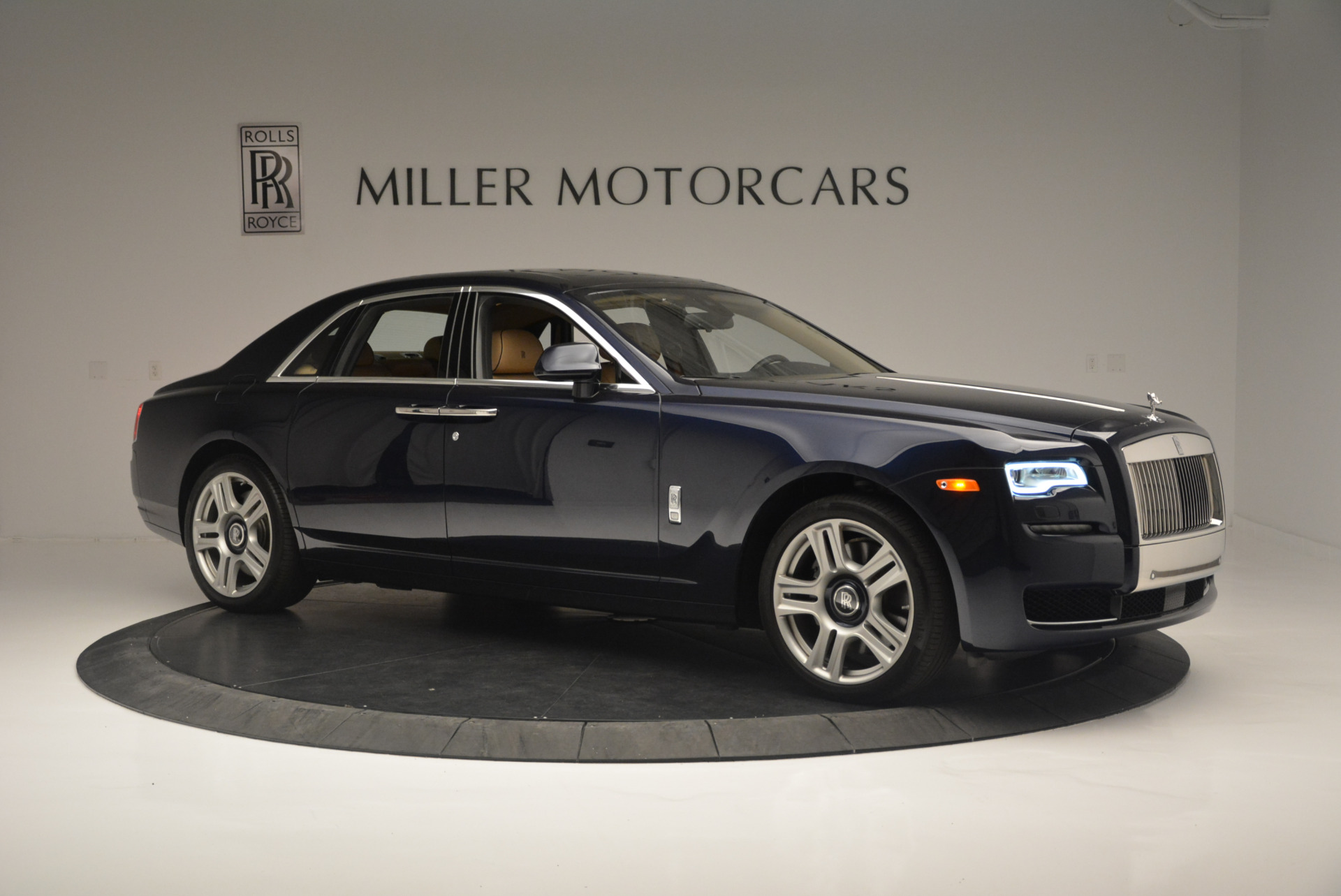 Used 2015 Rolls-Royce Ghost  For Sale In Greenwich, CT. Alfa Romeo of Greenwich, 7384 2297_p10