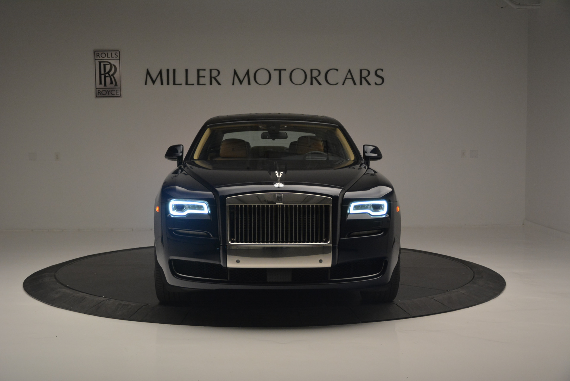 Used 2015 Rolls-Royce Ghost  For Sale In Greenwich, CT. Alfa Romeo of Greenwich, 7384 2297_p12