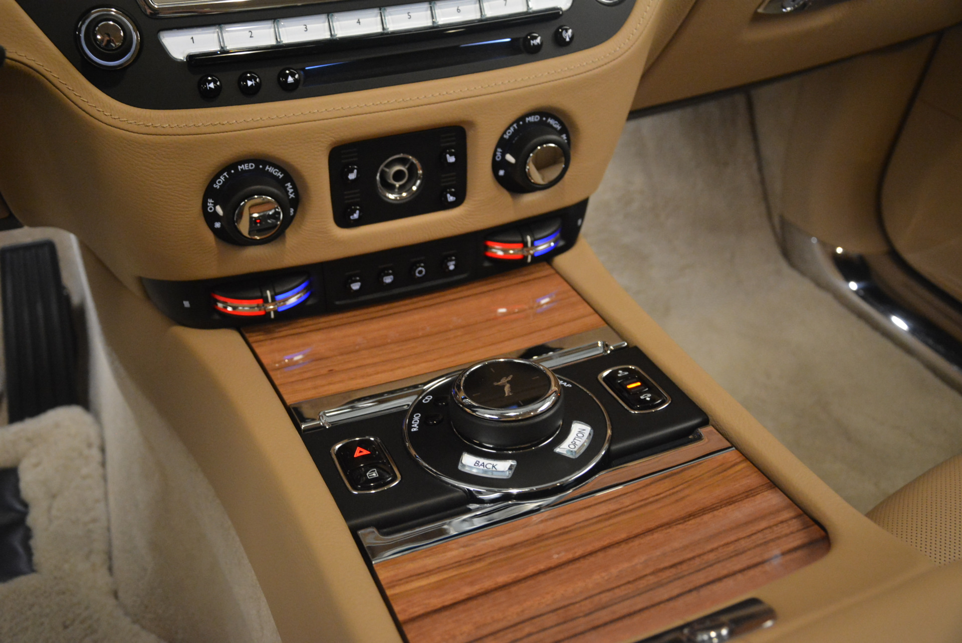 Used 2015 Rolls-Royce Ghost  For Sale In Greenwich, CT. Alfa Romeo of Greenwich, 7384 2297_p22