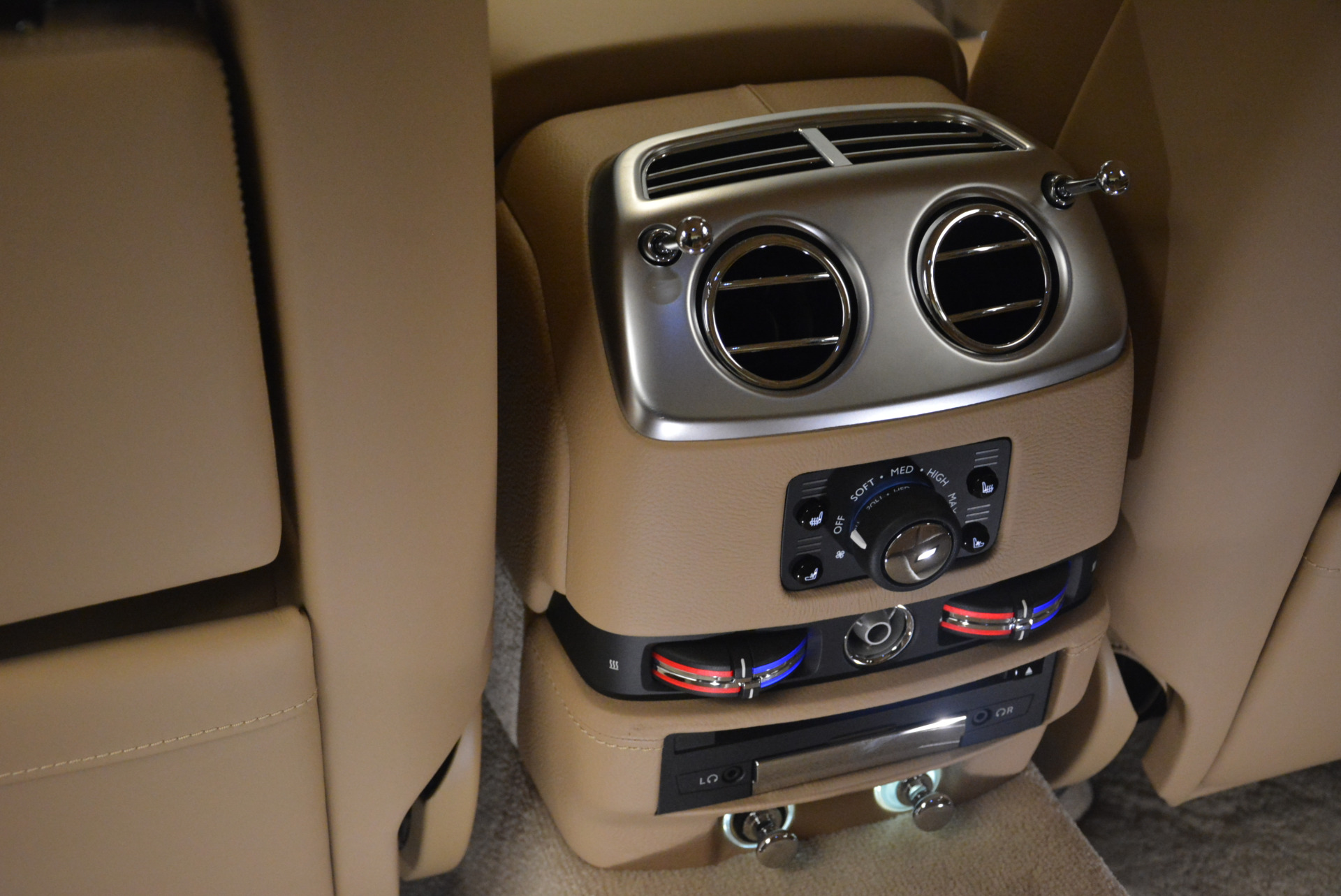 Used 2015 Rolls-Royce Ghost  For Sale In Greenwich, CT. Alfa Romeo of Greenwich, 7384 2297_p30