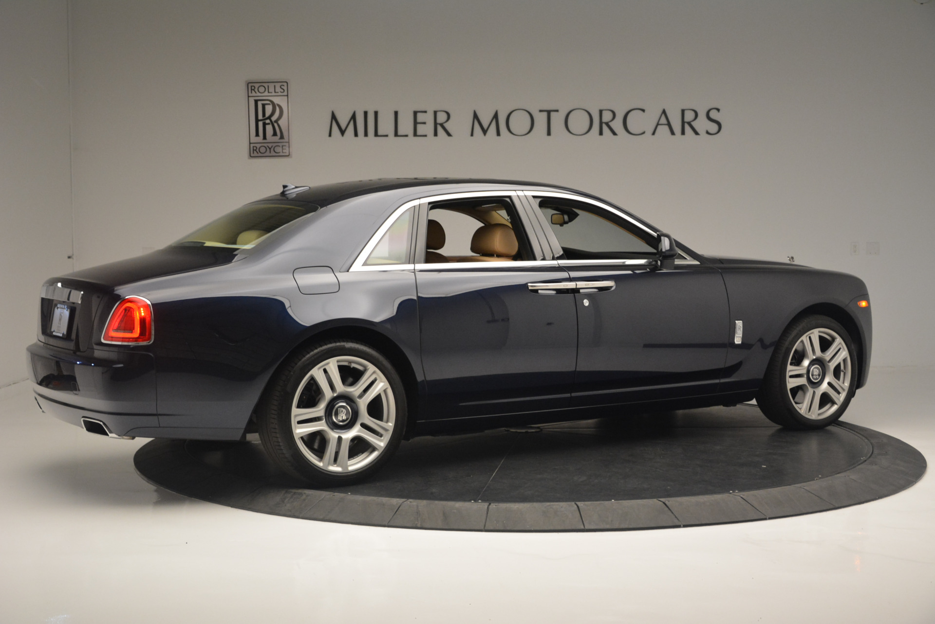 Used 2015 Rolls-Royce Ghost  For Sale In Greenwich, CT. Alfa Romeo of Greenwich, 7384 2297_p8
