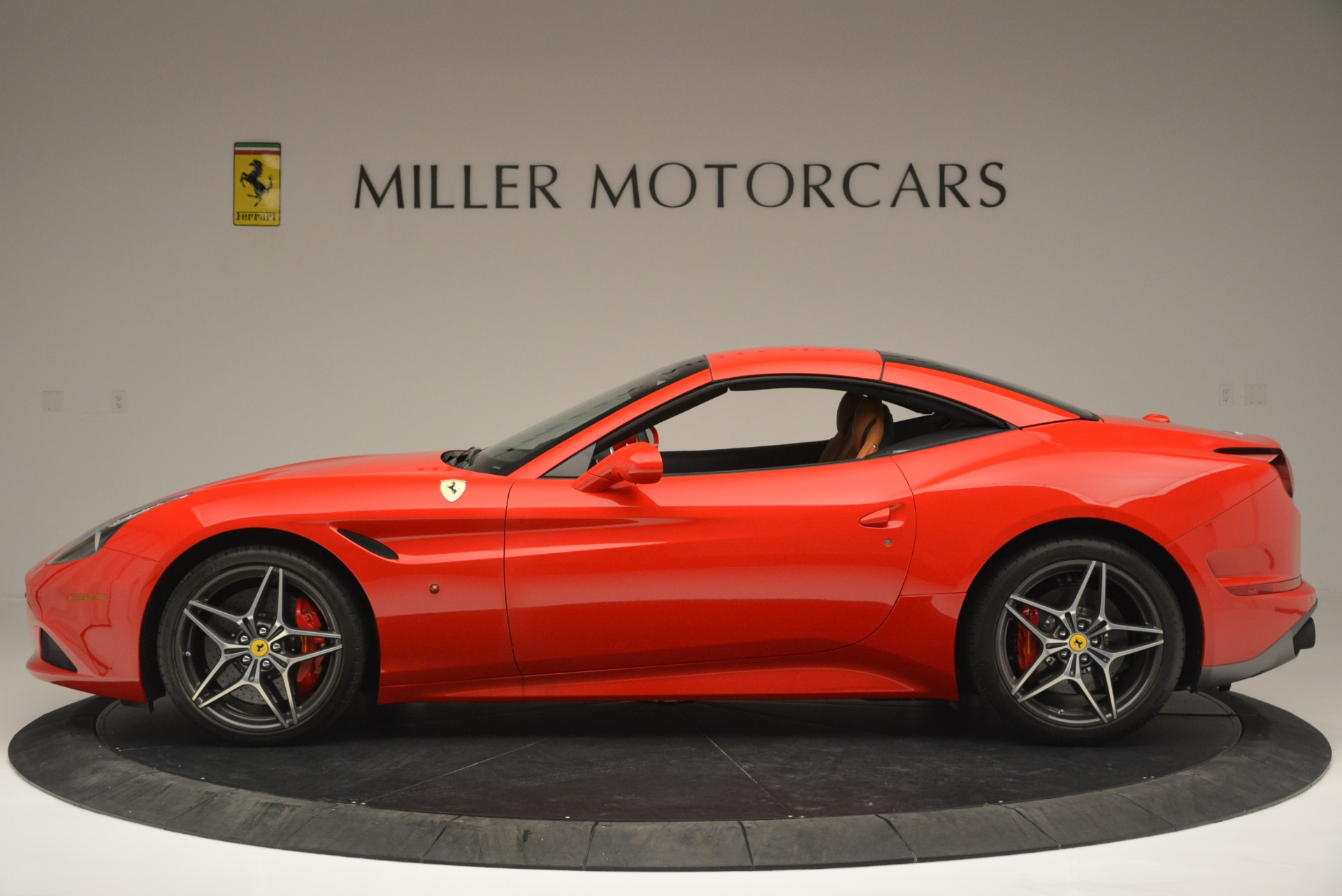 Used 2016 Ferrari California T Handling Speciale For Sale In Greenwich, CT. Alfa Romeo of Greenwich, 4486 2298_p15