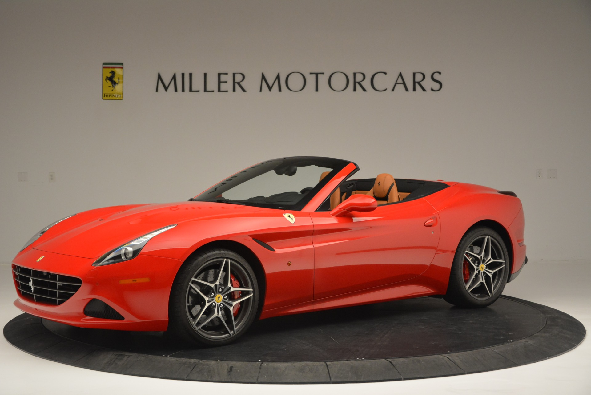 Used 2016 Ferrari California T Handling Speciale For Sale In Greenwich, CT. Alfa Romeo of Greenwich, 4486 2298_p2