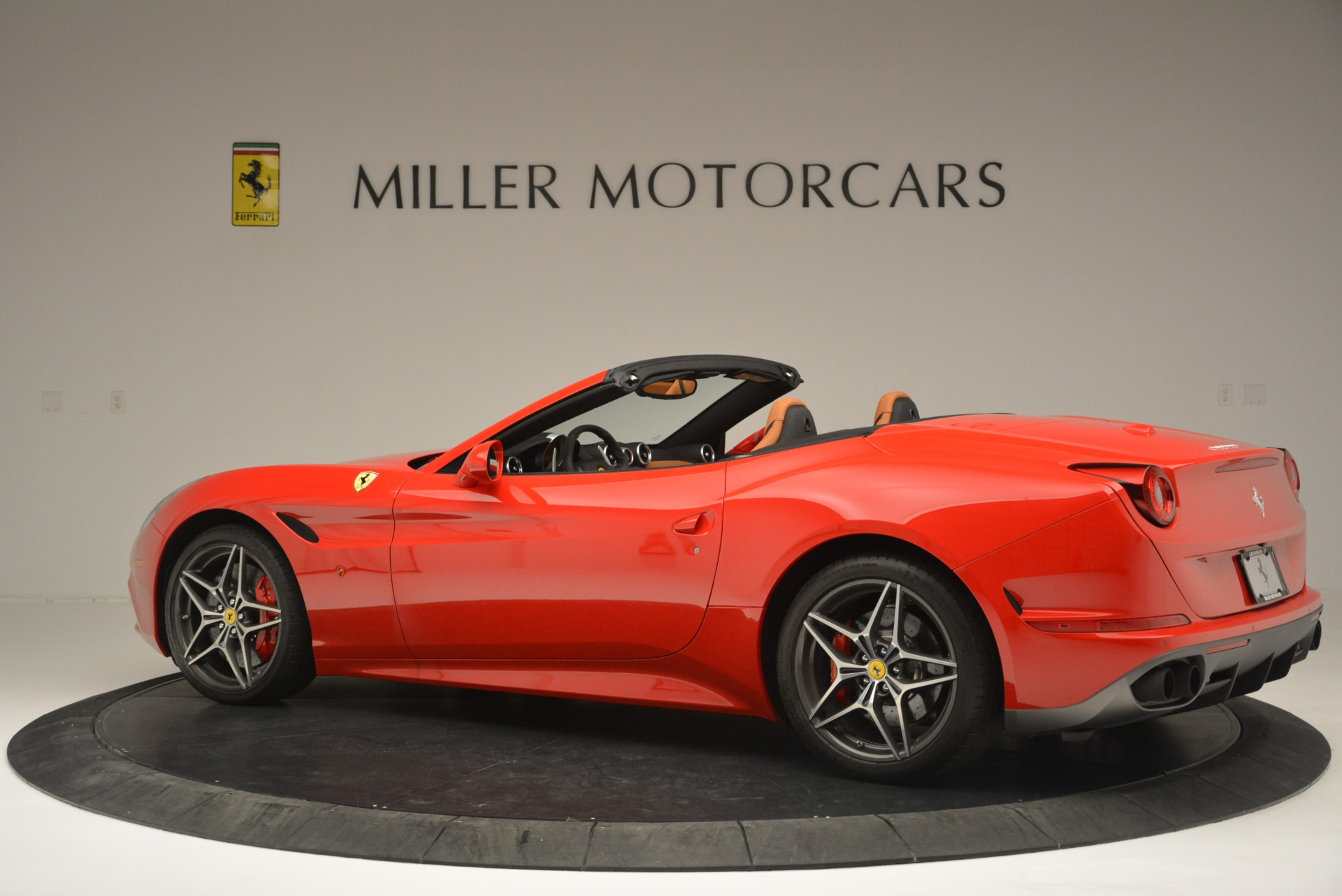 Used 2016 Ferrari California T Handling Speciale For Sale In Greenwich, CT. Alfa Romeo of Greenwich, 4486 2298_p4