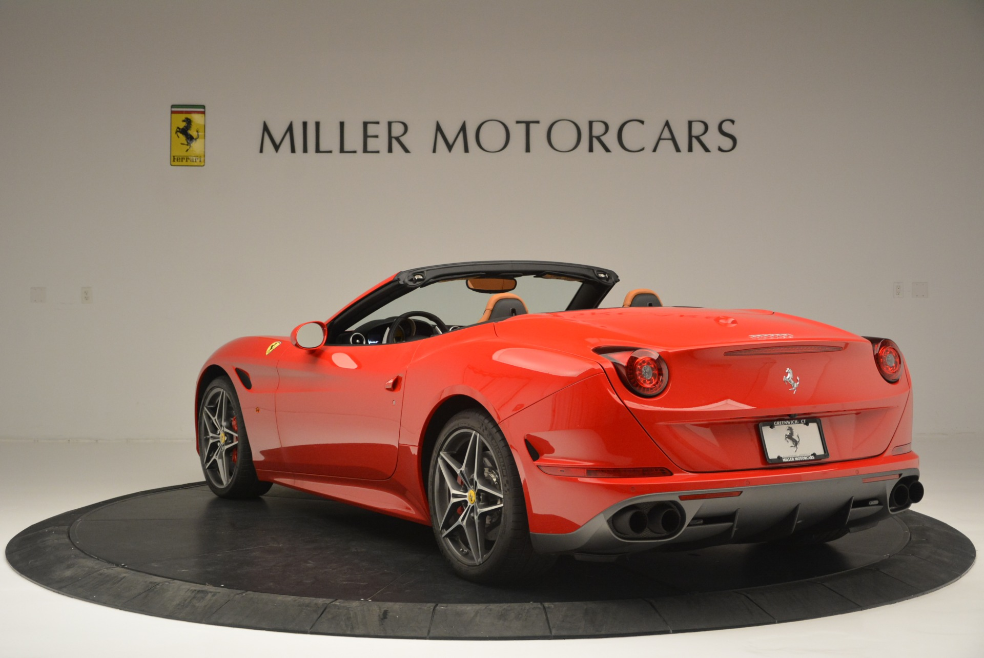 Used 2016 Ferrari California T Handling Speciale For Sale In Greenwich, CT. Alfa Romeo of Greenwich, 4486 2298_p5