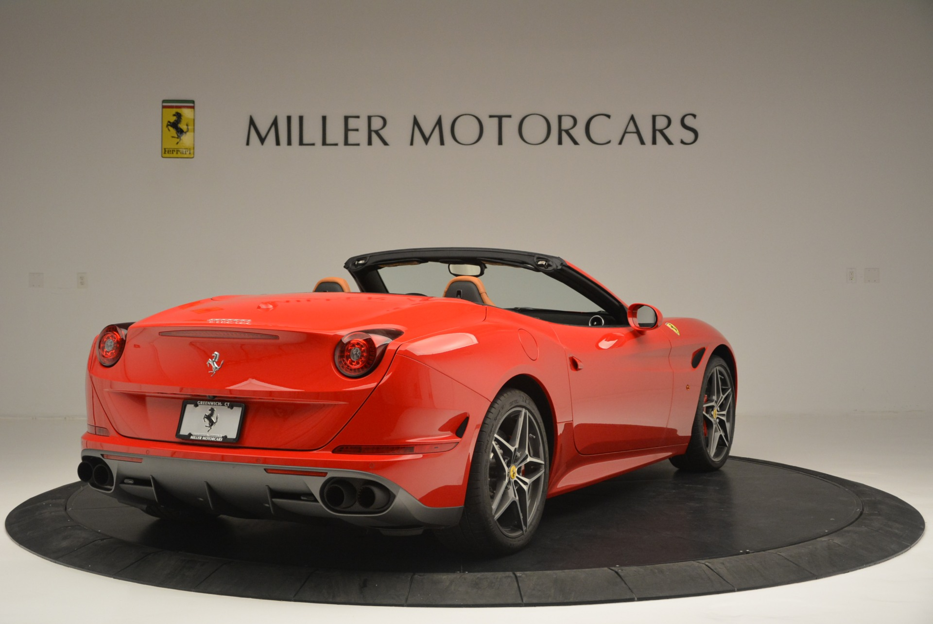 Used 2016 Ferrari California T Handling Speciale For Sale In Greenwich, CT. Alfa Romeo of Greenwich, 4486 2298_p7