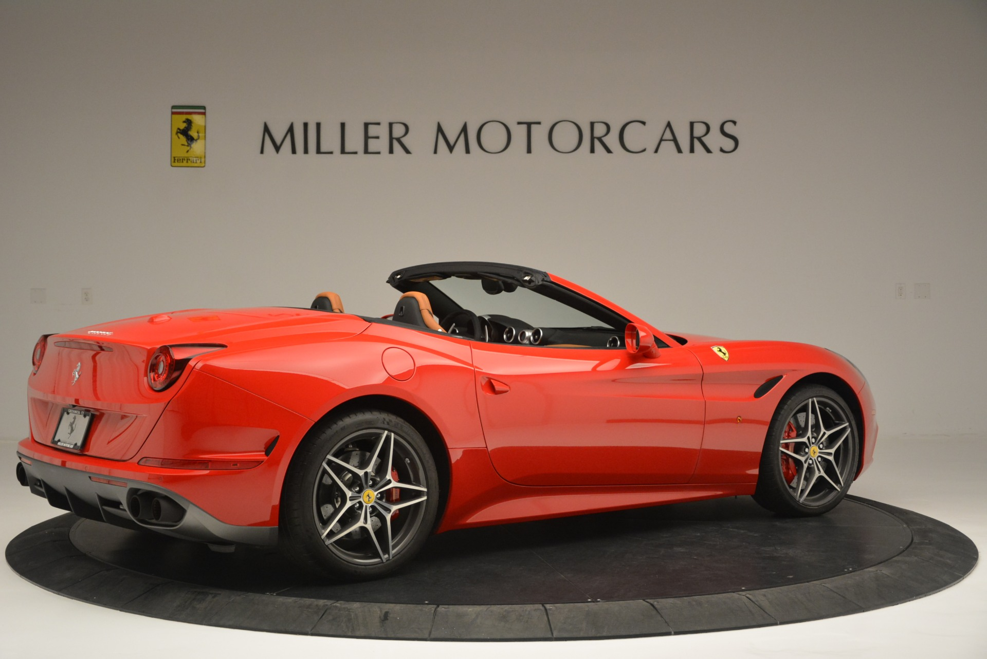 Used 2016 Ferrari California T Handling Speciale For Sale In Greenwich, CT. Alfa Romeo of Greenwich, 4486 2298_p8
