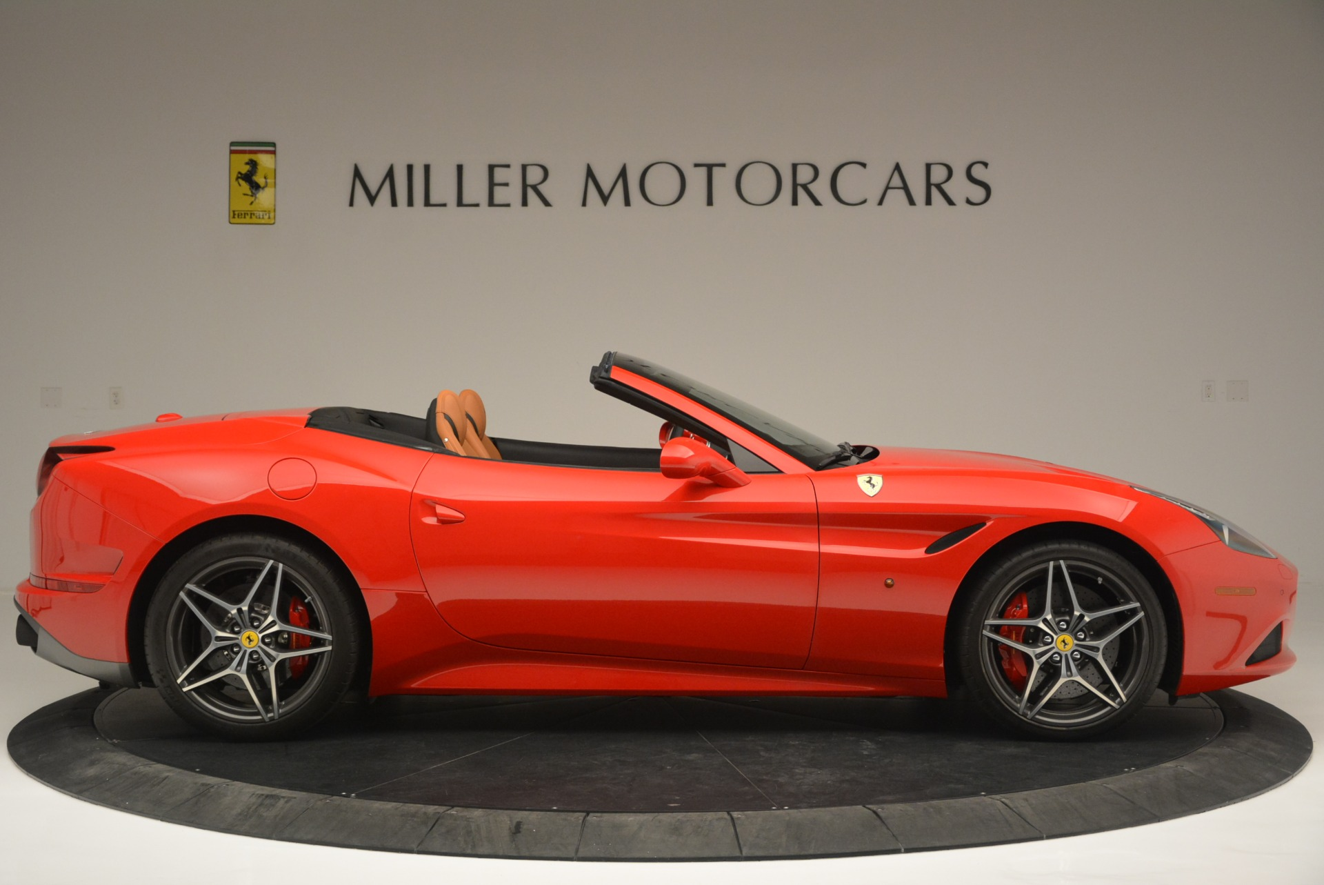Used 2016 Ferrari California T Handling Speciale For Sale In Greenwich, CT. Alfa Romeo of Greenwich, 4486 2298_p9