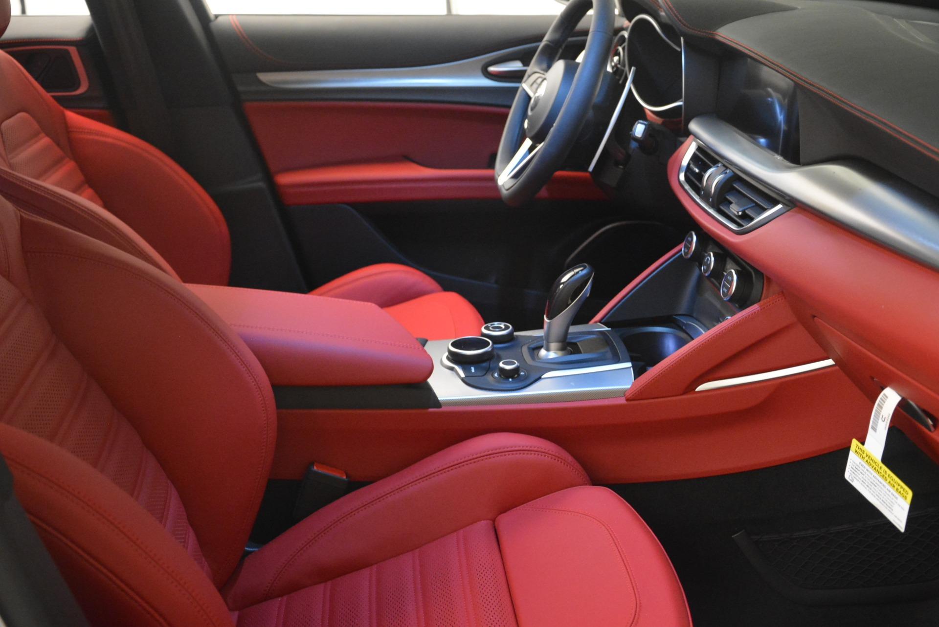 New 2018 Alfa Romeo Stelvio Ti Sport Q4 For Sale In Greenwich, CT. Alfa Romeo of Greenwich, L411 2299_p25