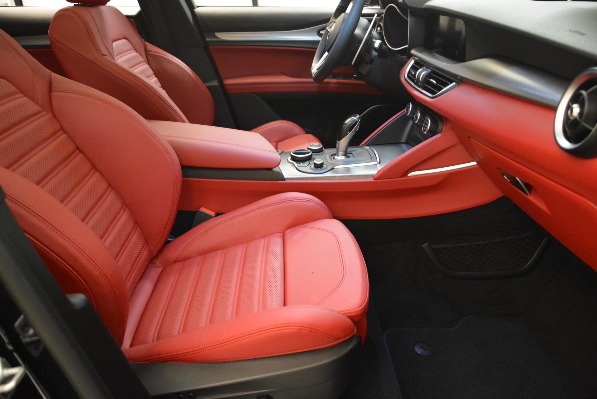 New 2018 Alfa Romeo Stelvio Ti Sport Q4 For Sale In Greenwich, CT. Alfa Romeo of Greenwich, LW172 2300_p15