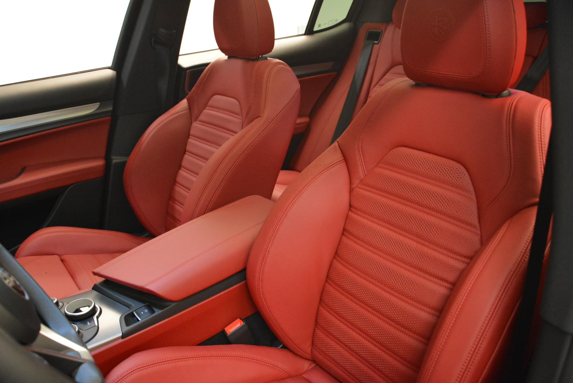 New 2018 Alfa Romeo Stelvio Ti Sport Q4 For Sale In Greenwich, CT. Alfa Romeo of Greenwich, LW172 2300_p17