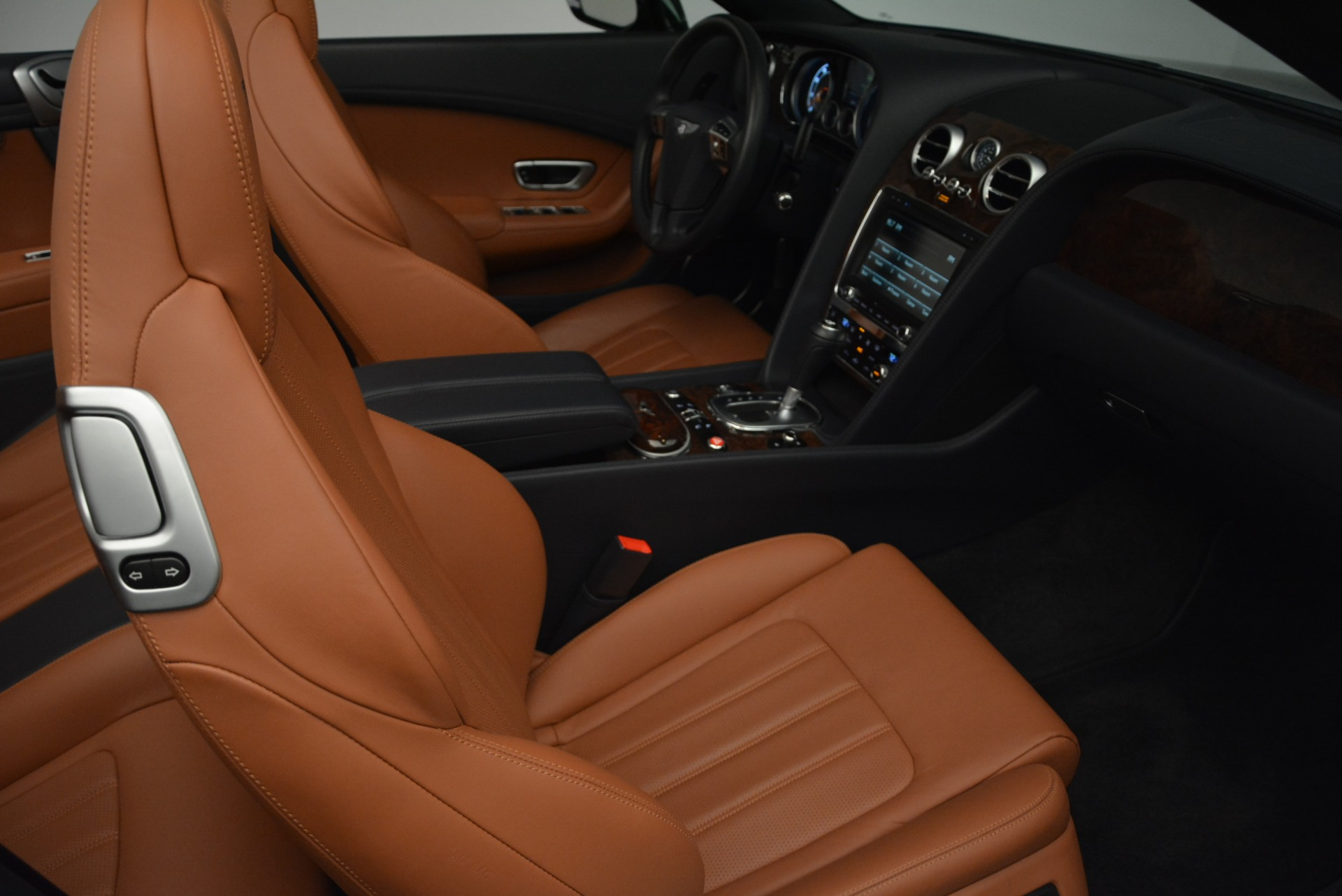 Used 2015 Bentley Continental GT V8 For Sale In Greenwich, CT. Alfa Romeo of Greenwich, 7373 2310_p28
