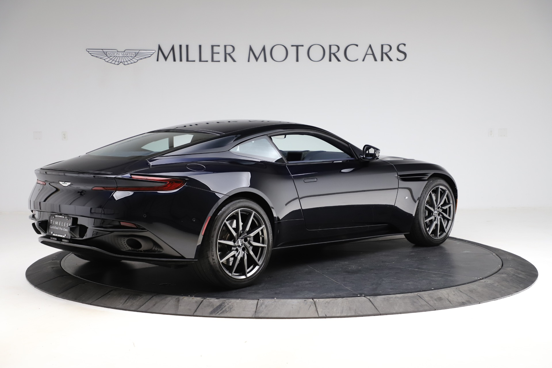 Used 2017 Aston Martin DB11  For Sale In Greenwich, CT. Alfa Romeo of Greenwich, A1289A 2317_p6