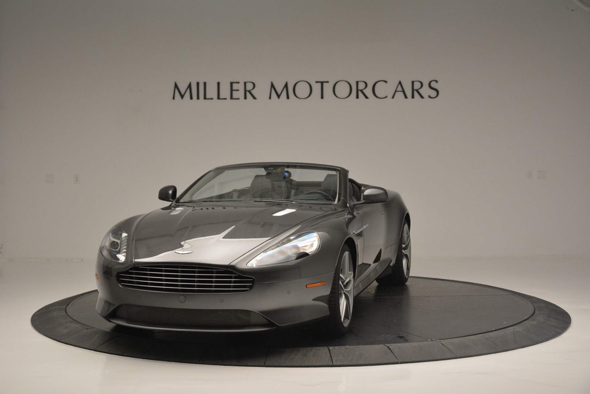 Used 2014 Aston Martin DB9 Volante For Sale In Greenwich, CT. Alfa Romeo of Greenwich, 7374