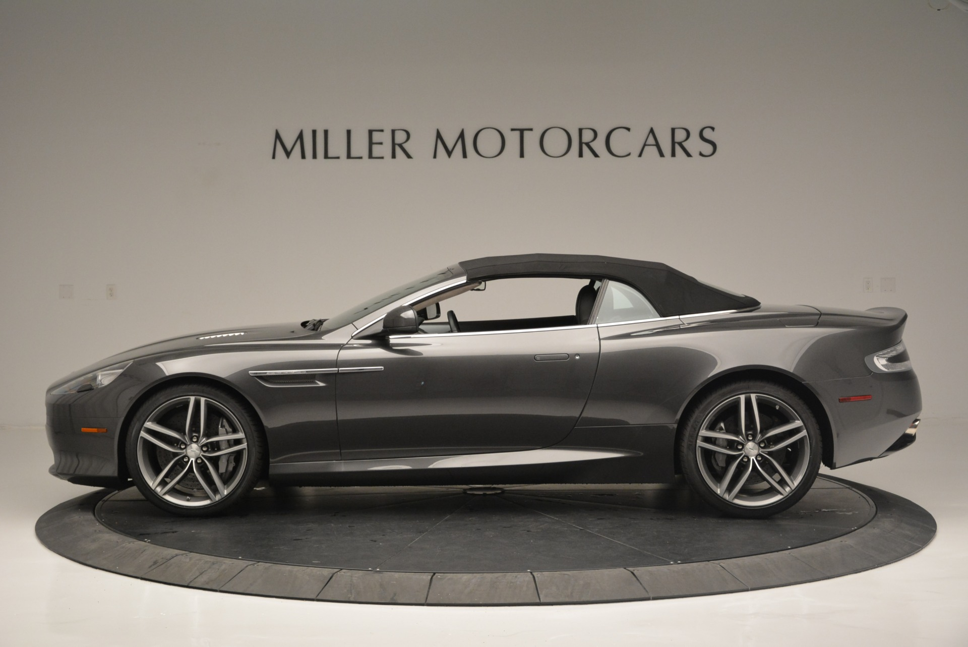Used 2014 Aston Martin DB9 Volante For Sale In Greenwich, CT. Alfa Romeo of Greenwich, 7374 2319_p15