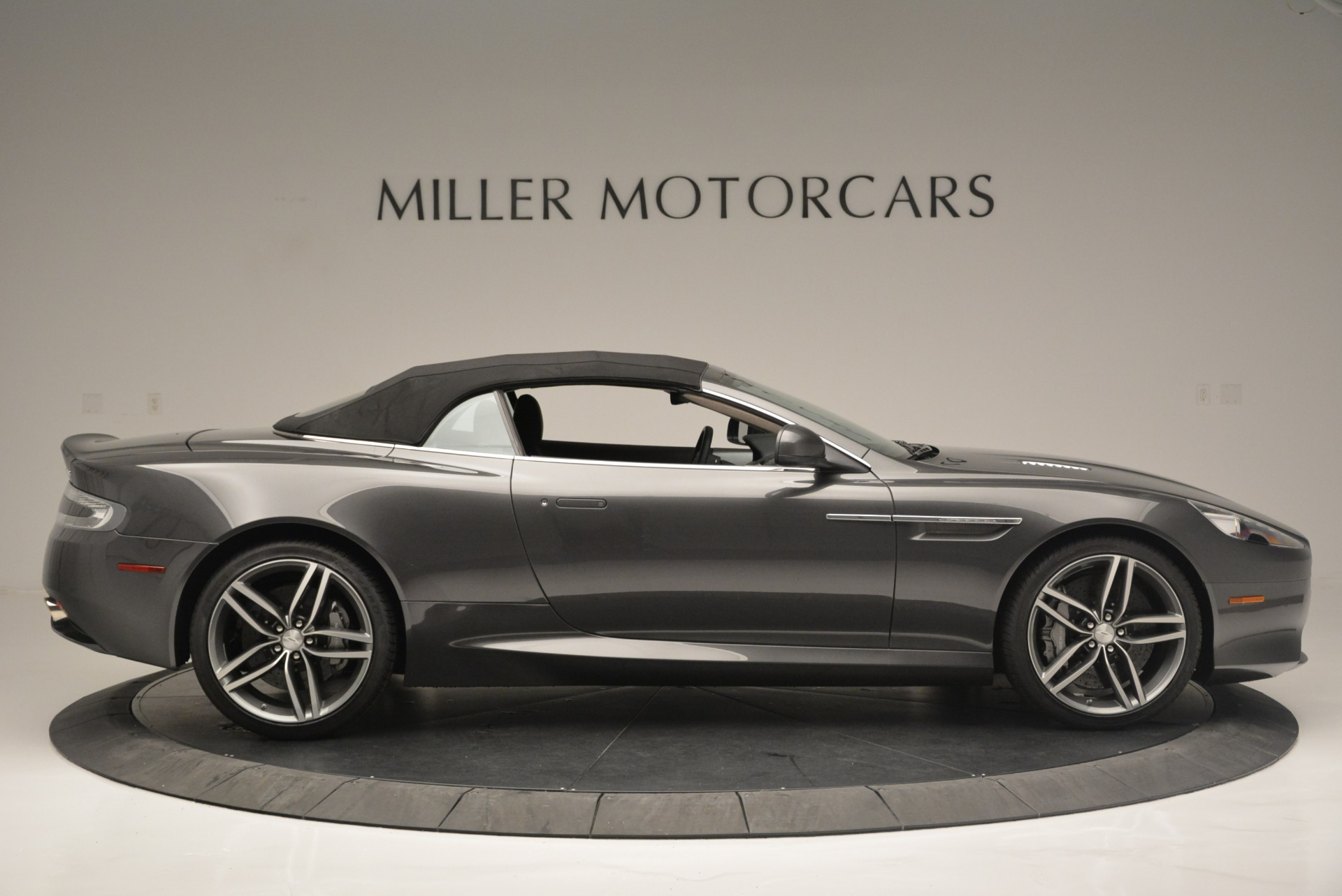 Used 2014 Aston Martin DB9 Volante For Sale In Greenwich, CT. Alfa Romeo of Greenwich, 7374 2319_p21