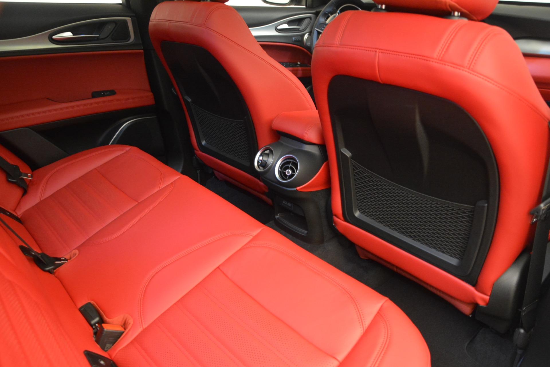 New 2018 Alfa Romeo Stelvio Ti Sport Q4 For Sale In Greenwich, CT. Alfa Romeo of Greenwich, LW185 2323_p23