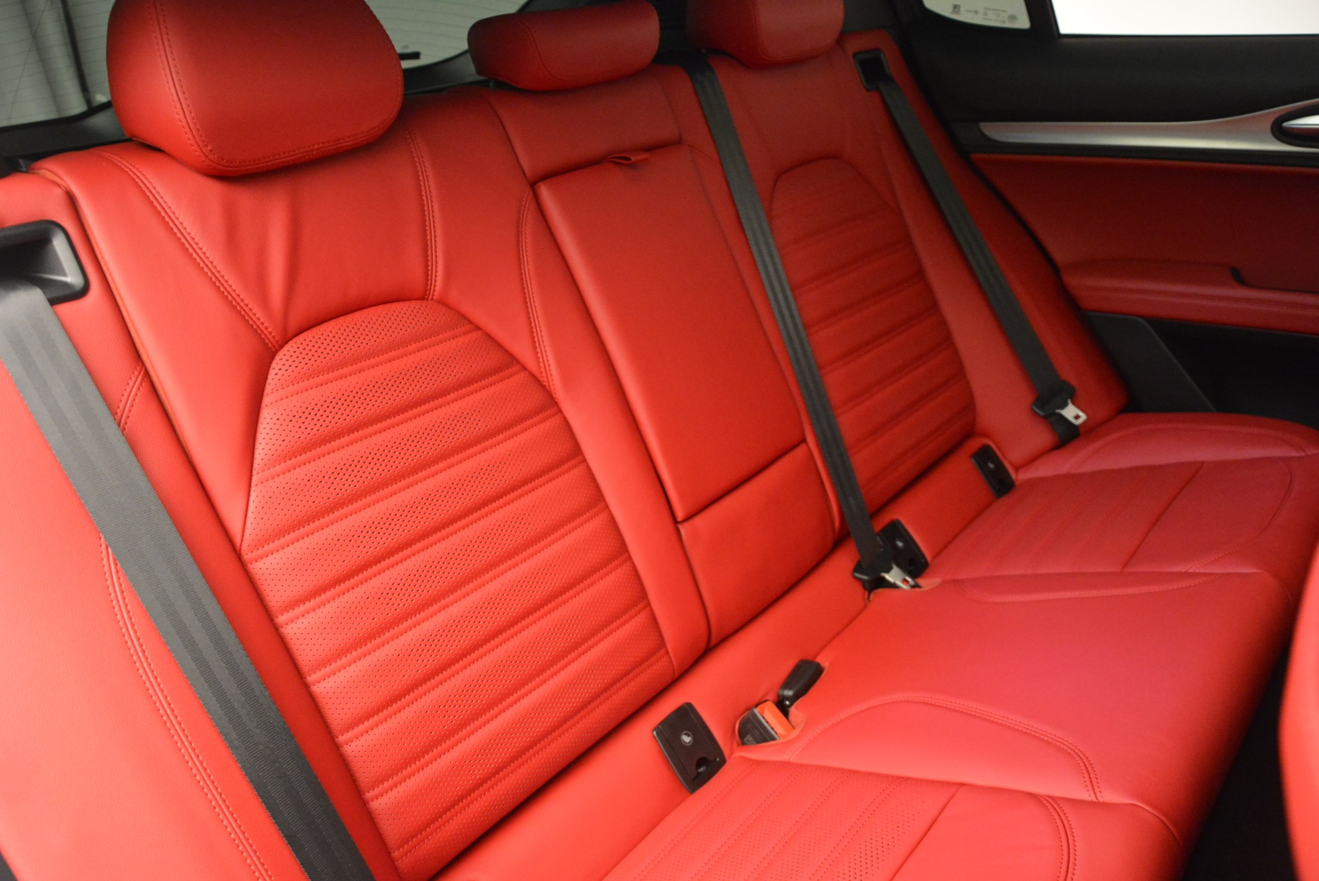 New 2018 Alfa Romeo Stelvio Ti Sport Q4 For Sale In Greenwich, CT. Alfa Romeo of Greenwich, LW185 2323_p25