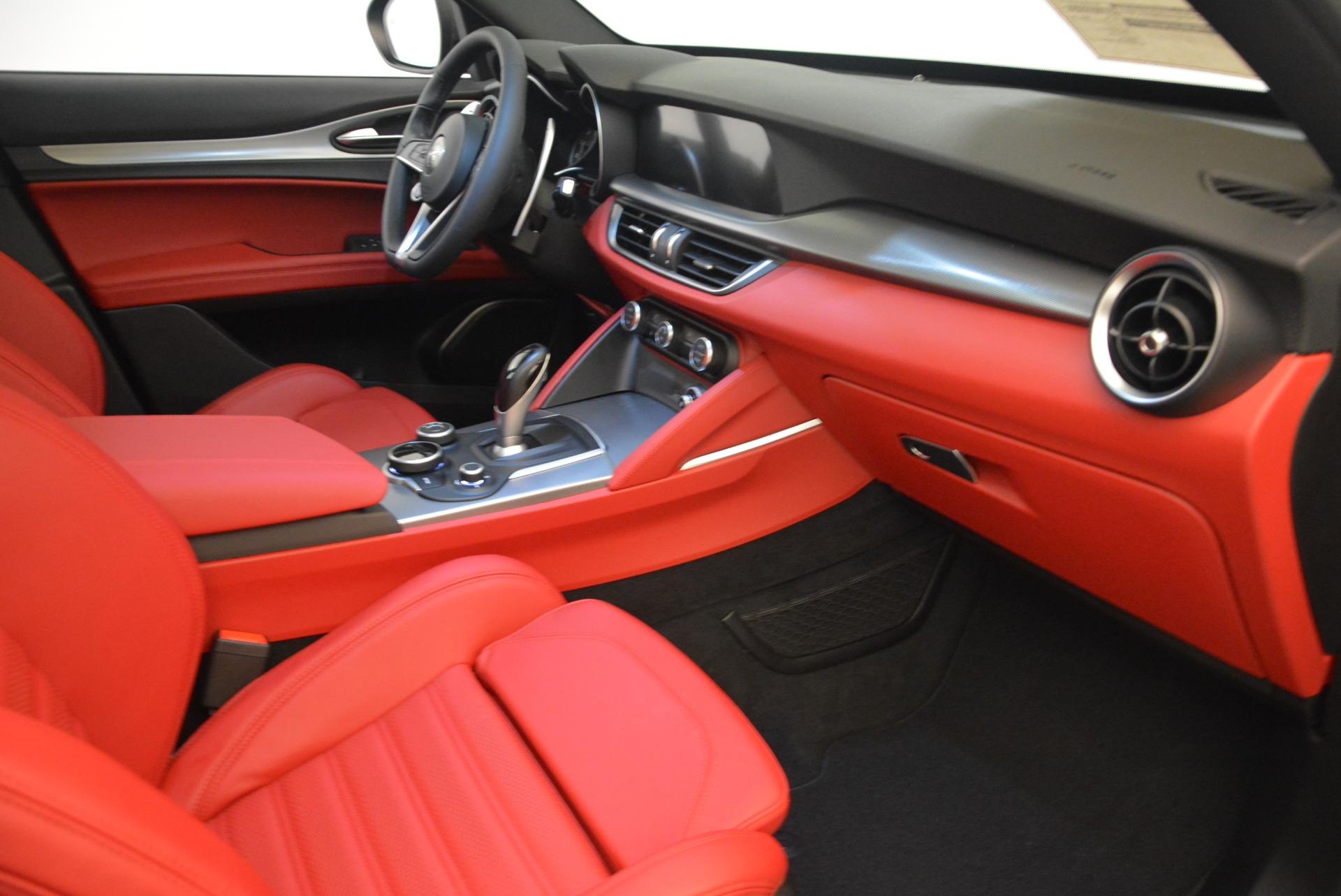 New 2018 Alfa Romeo Stelvio Ti Sport Q4 For Sale In Greenwich, CT. Alfa Romeo of Greenwich, LW186 2324_p19