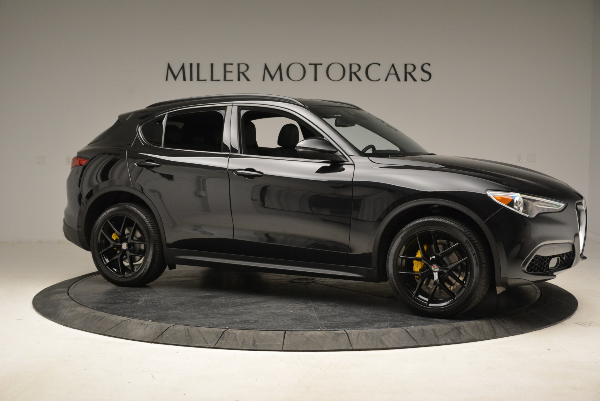 New 2018 Alfa Romeo Stelvio Ti Sport Q4 For Sale In Greenwich, CT. Alfa Romeo of Greenwich, LW187 2325_p10