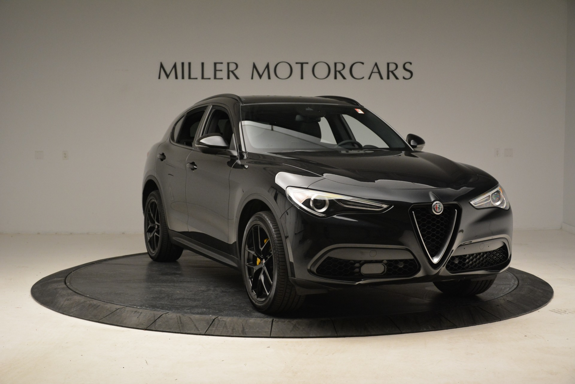 New 2018 Alfa Romeo Stelvio Ti Sport Q4 For Sale In Greenwich, CT. Alfa Romeo of Greenwich, LW187 2325_p11