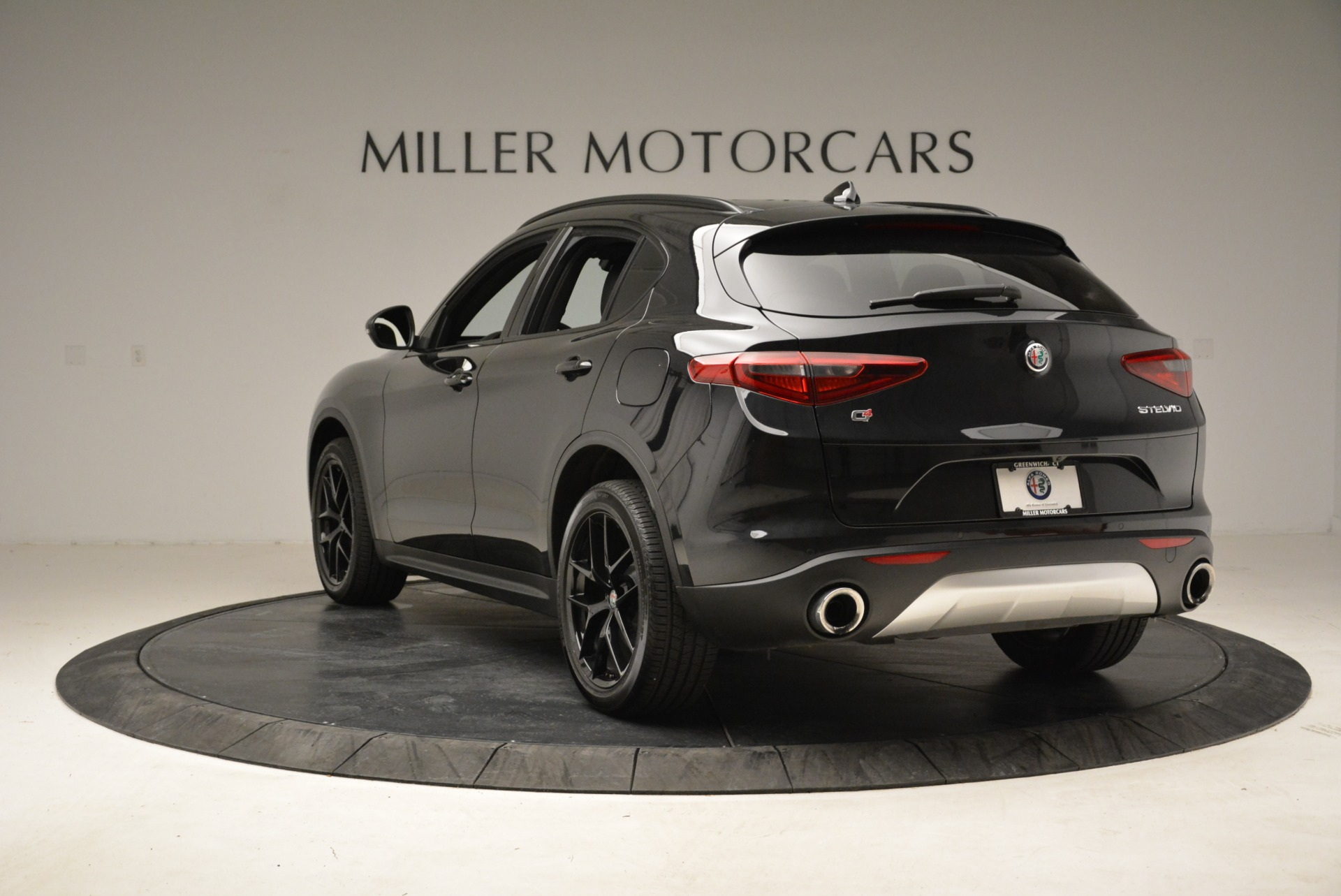 New 2018 Alfa Romeo Stelvio Ti Sport Q4 For Sale In Greenwich, CT. Alfa Romeo of Greenwich, LW187 2325_p5