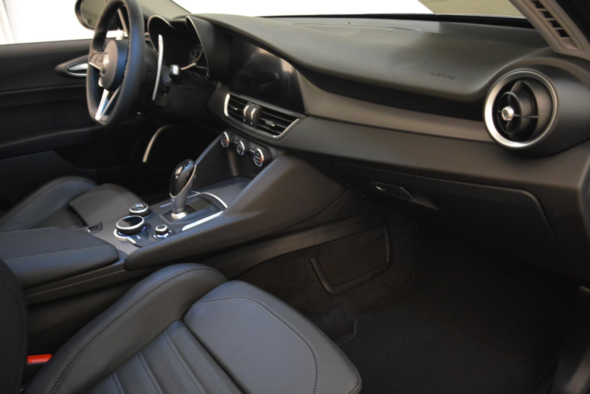New 2018 Alfa Romeo Giulia Ti Sport Q4 For Sale In Greenwich, CT. Alfa Romeo of Greenwich, L420 2328_p19